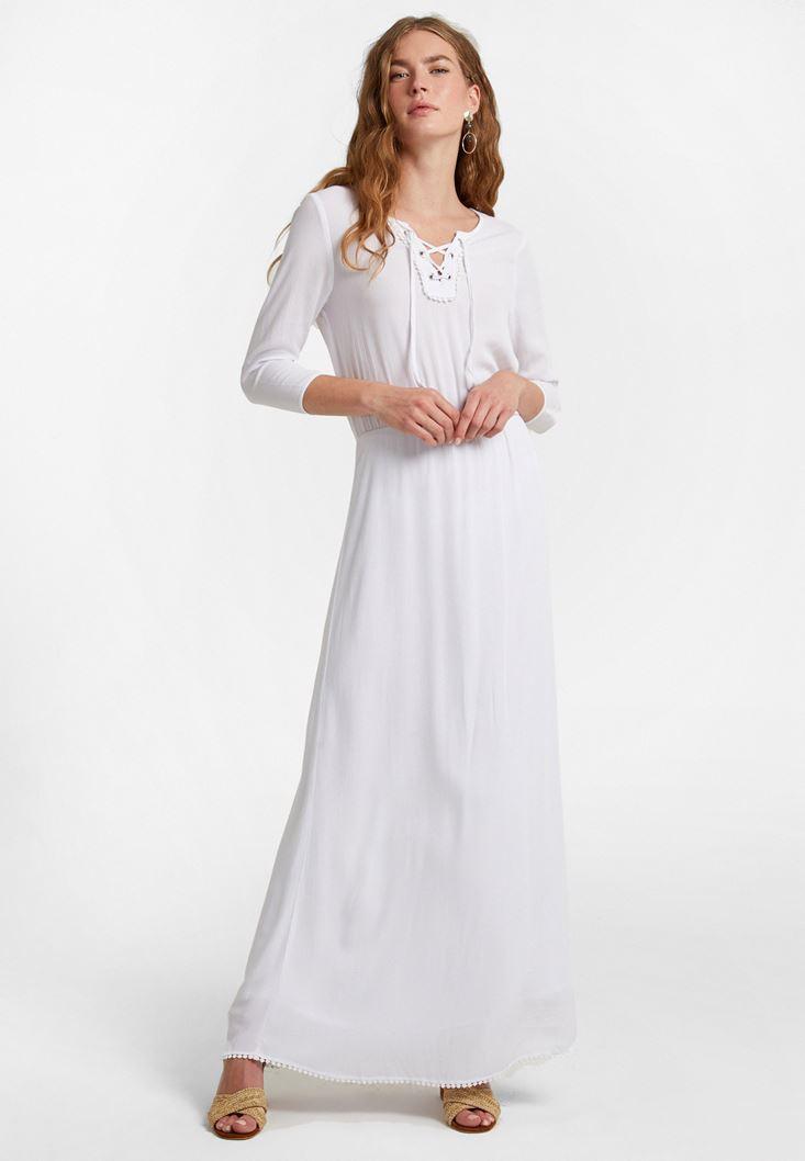 Beyaz Yaka Detaylı Uzun Elbise