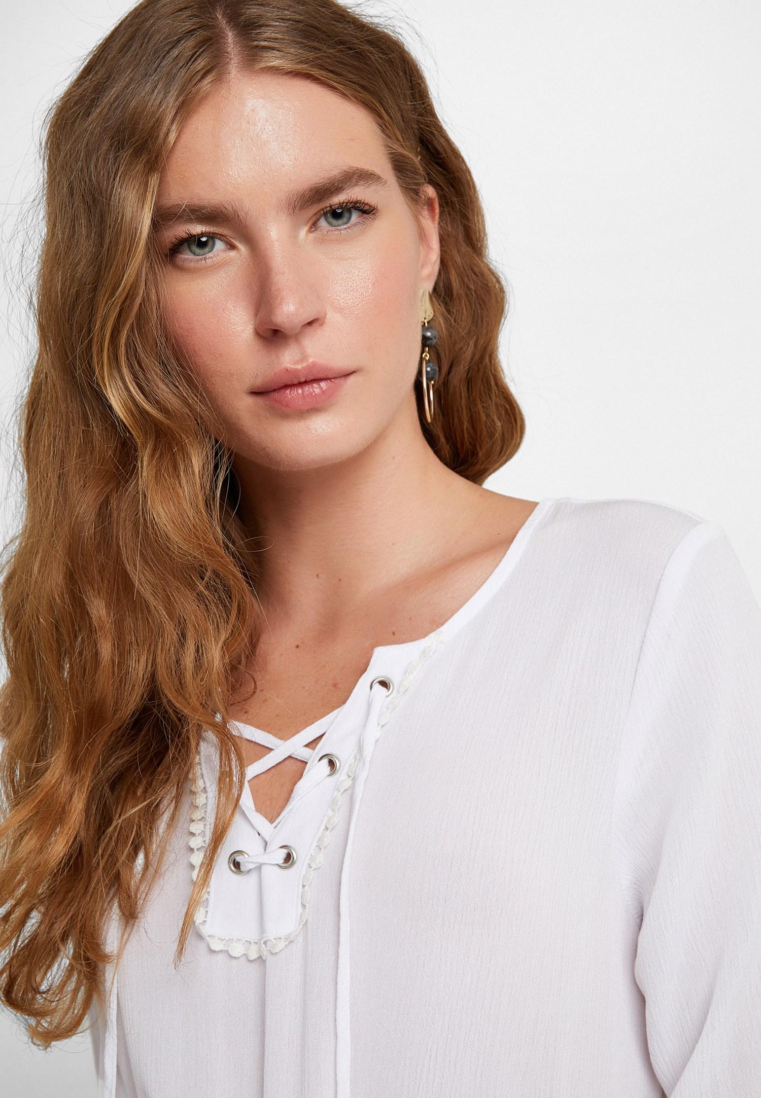Bayan Beyaz Yaka Detaylı Uzun Elbise