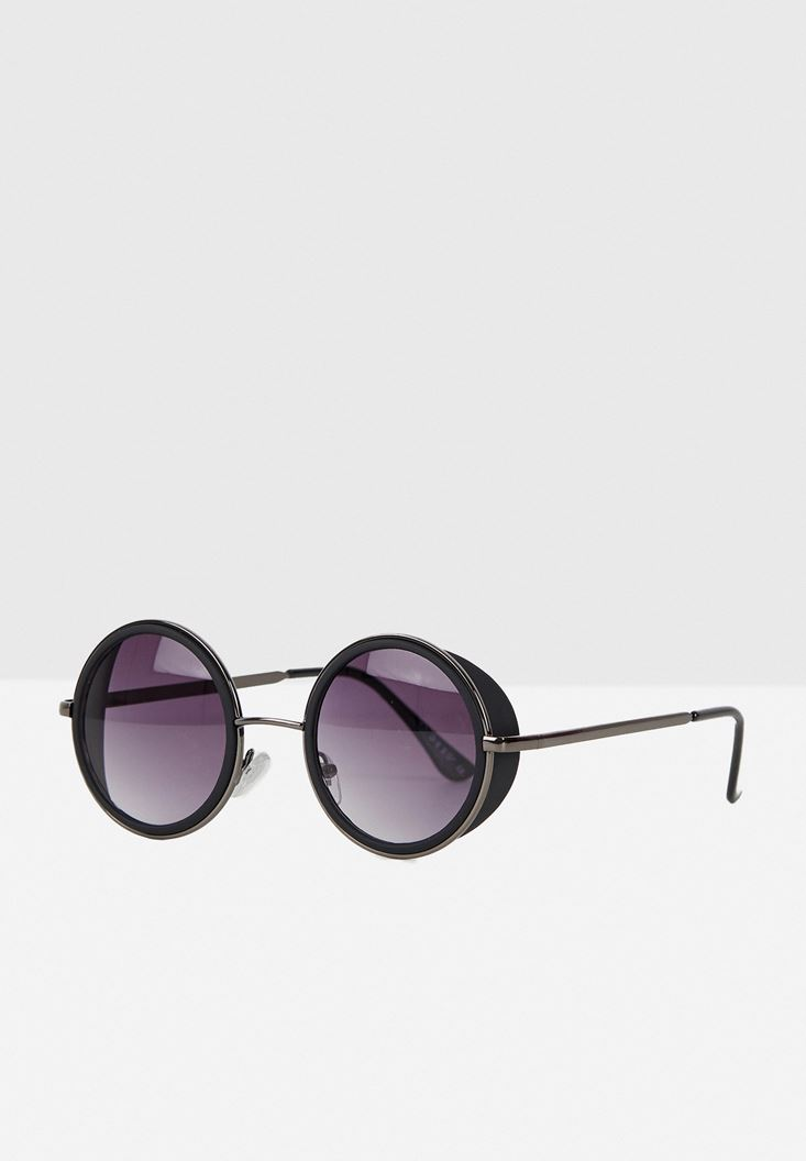 Black Round Sunglasses with Detail