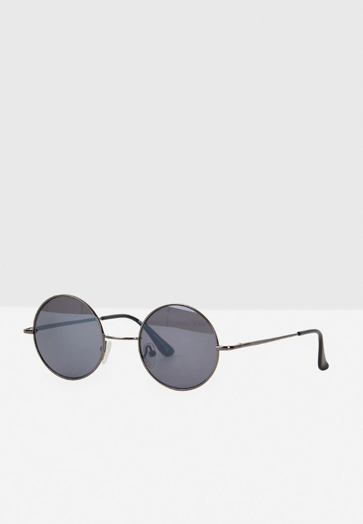 Black Round Glasses with Details