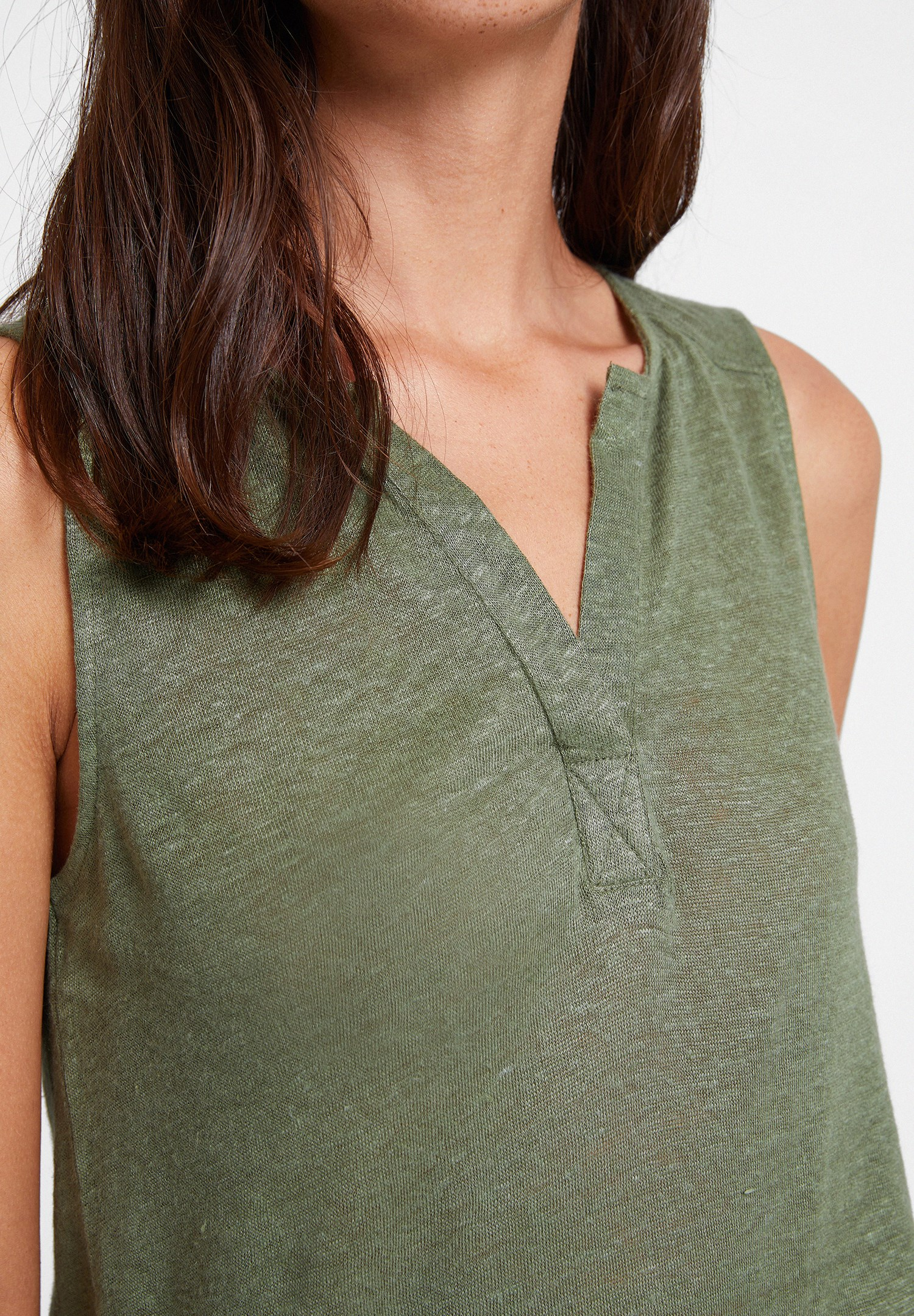 Women Green Linen T-shirt with V Neck