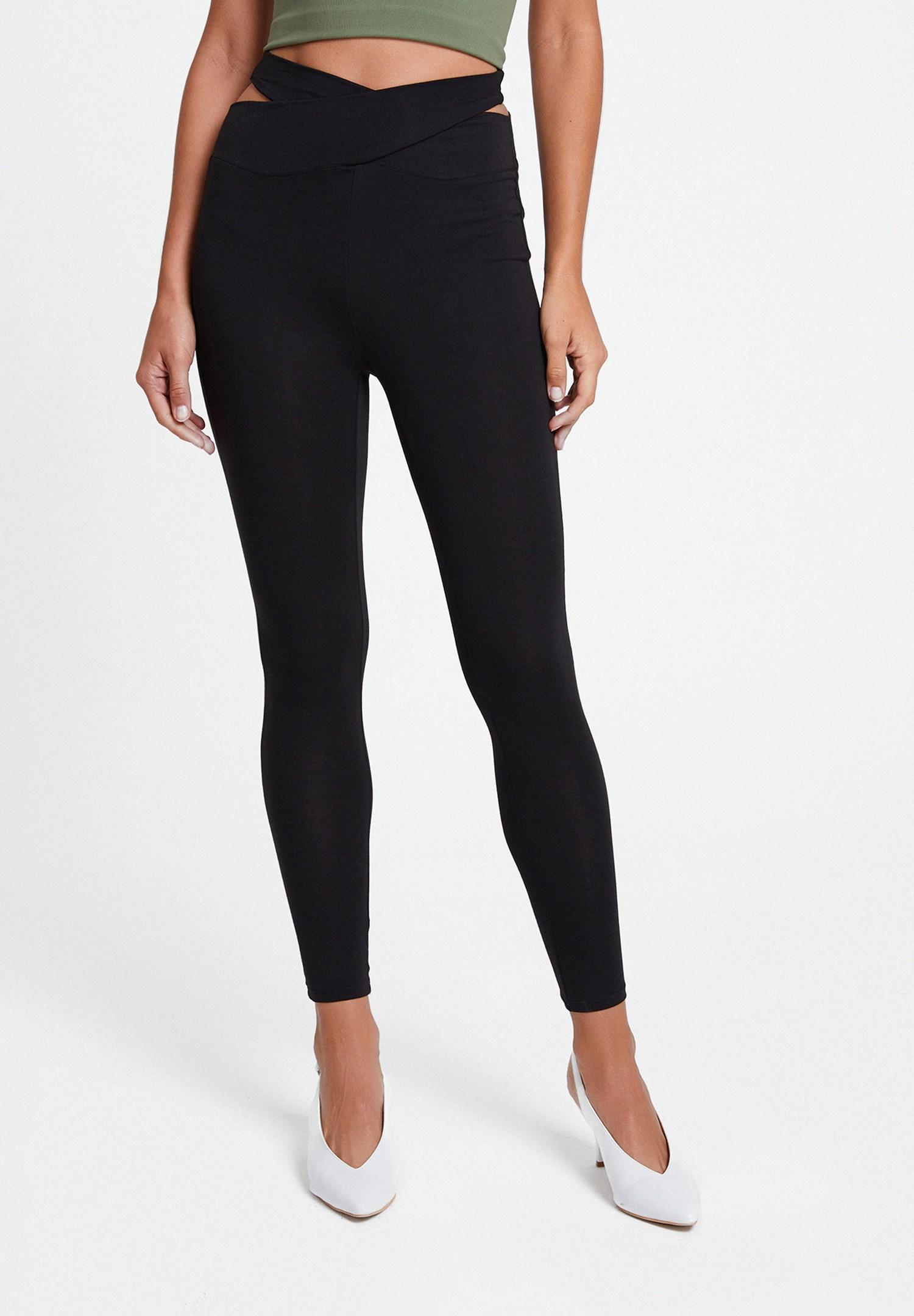Women Black Leggings with Detail