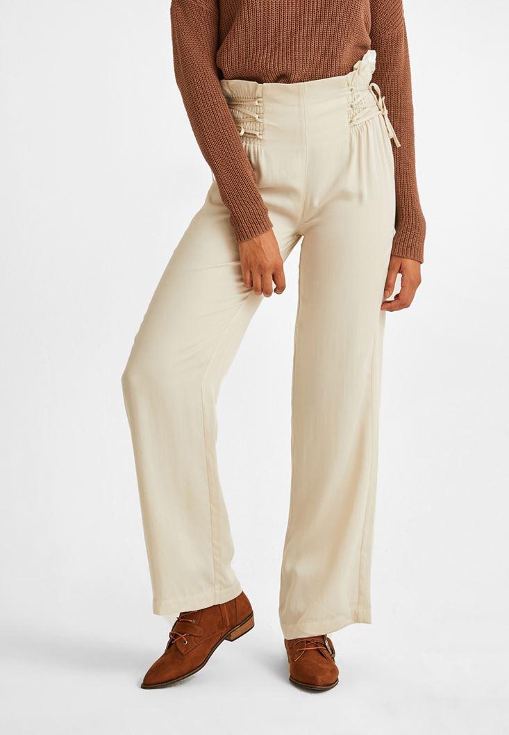 Krem Beli Bağlama Detaylı Bol Pantolon