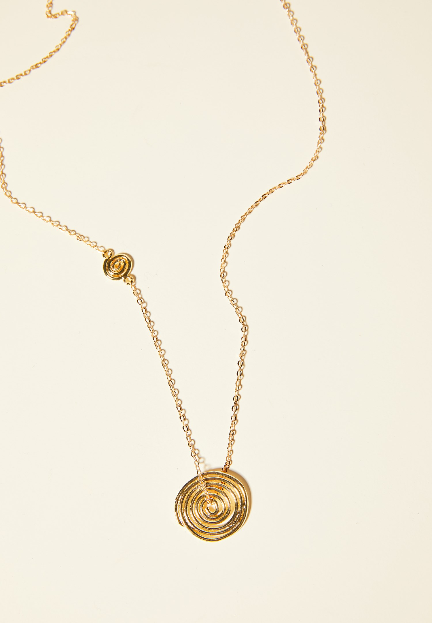 Women Mixed Gold Necklace with Tag