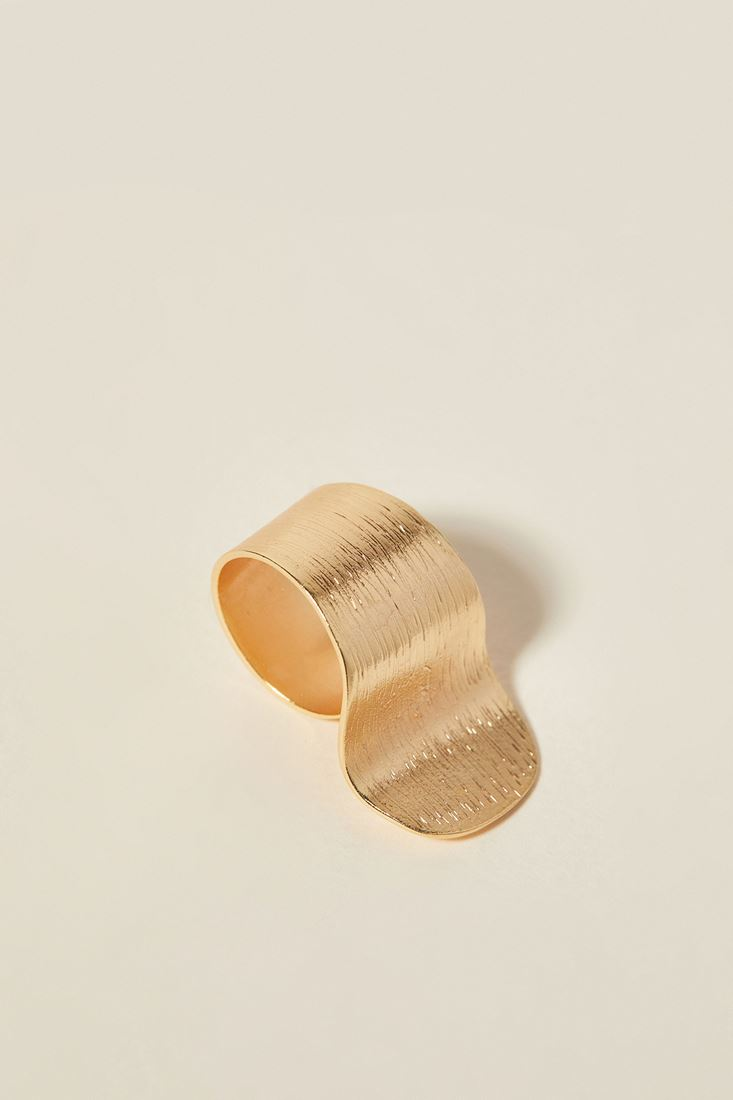 Mixed Asymmetric Ring