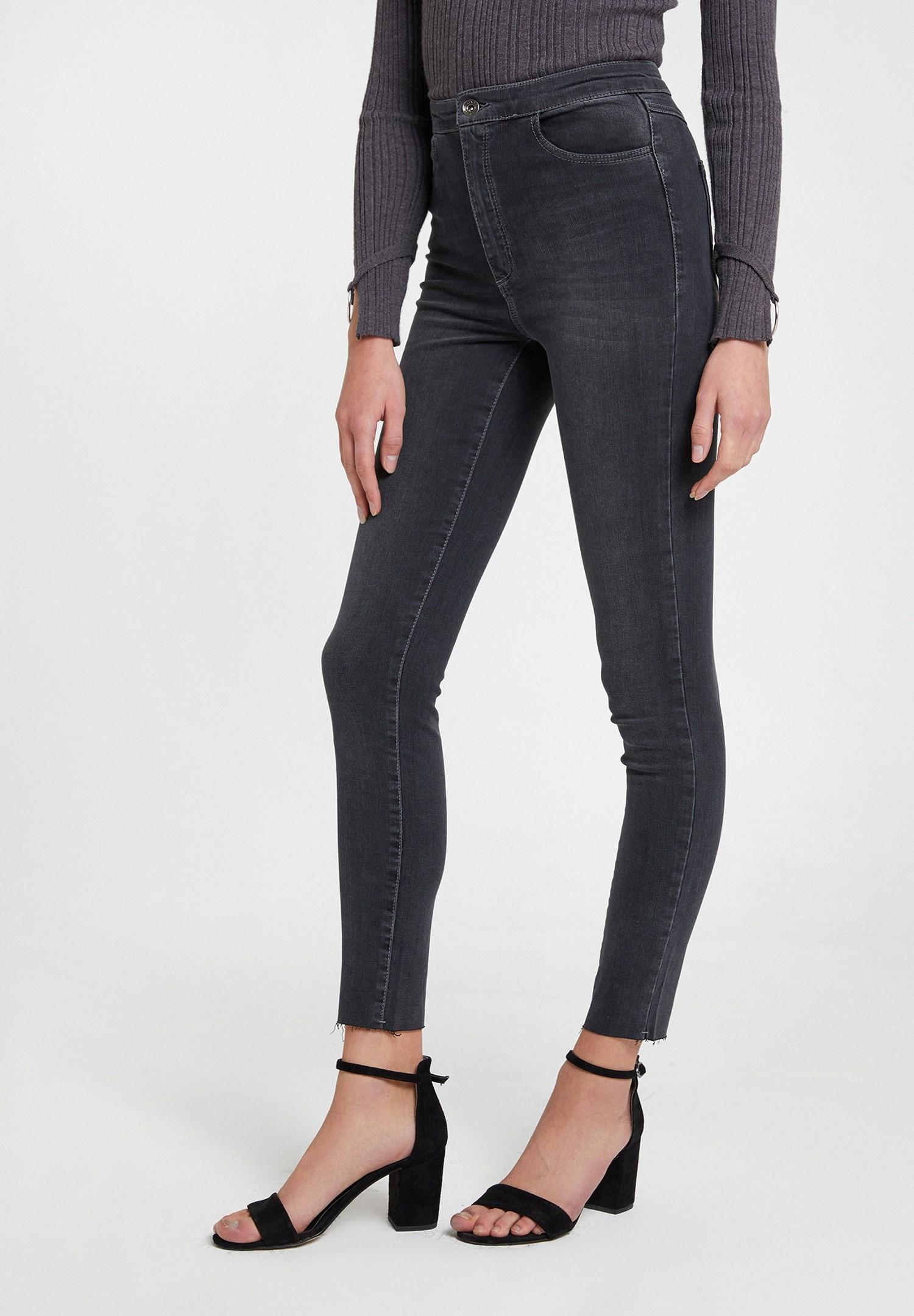 Women Grey High Waist Denim Pants with Cuff Details