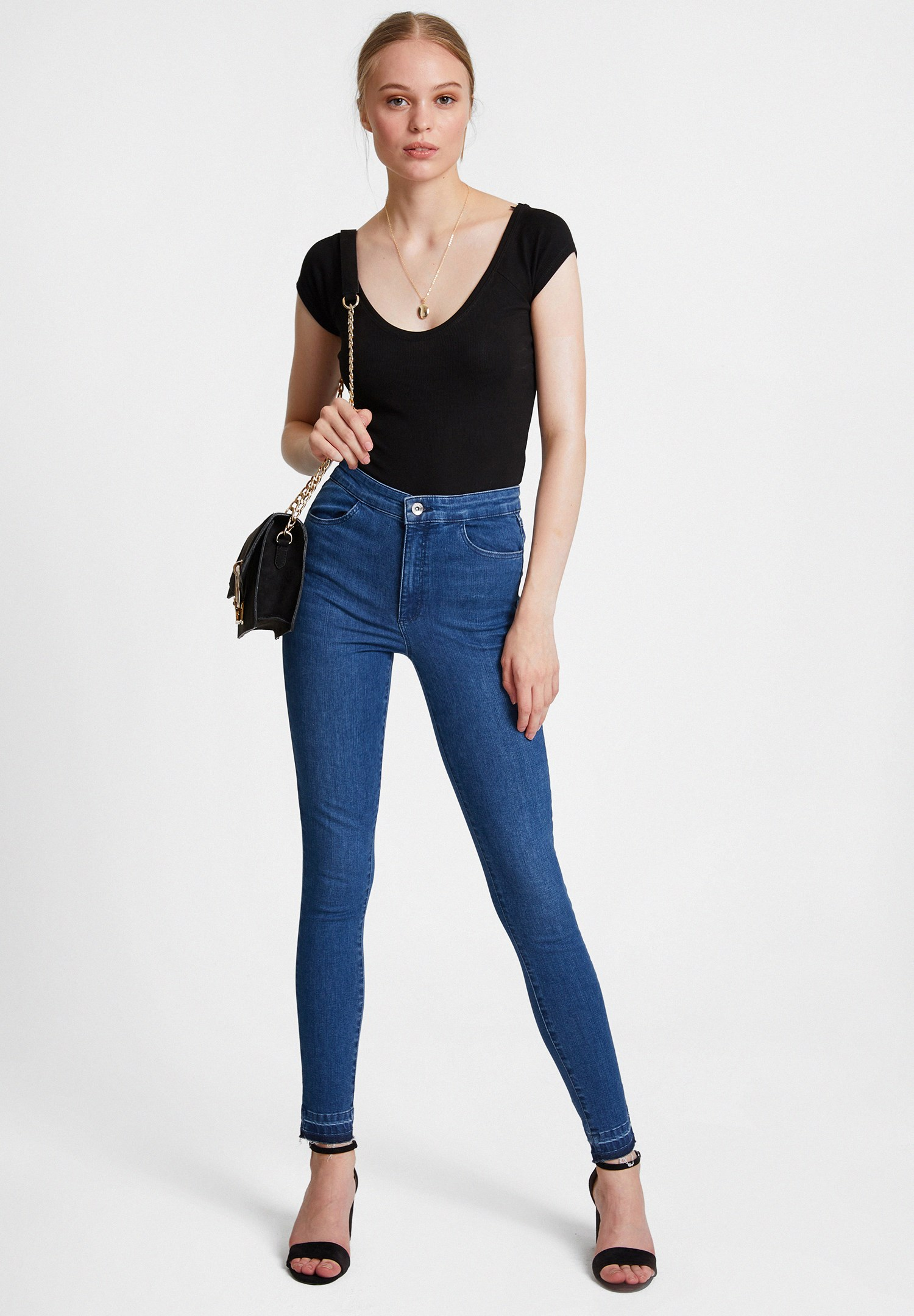 Bayan Mavi Paça Detaylı Ultra Yüksel Bel Denim Pantolon
