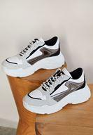 Bayan Beyaz Kalın Tabanlı Yanları Şeritli Sneaker