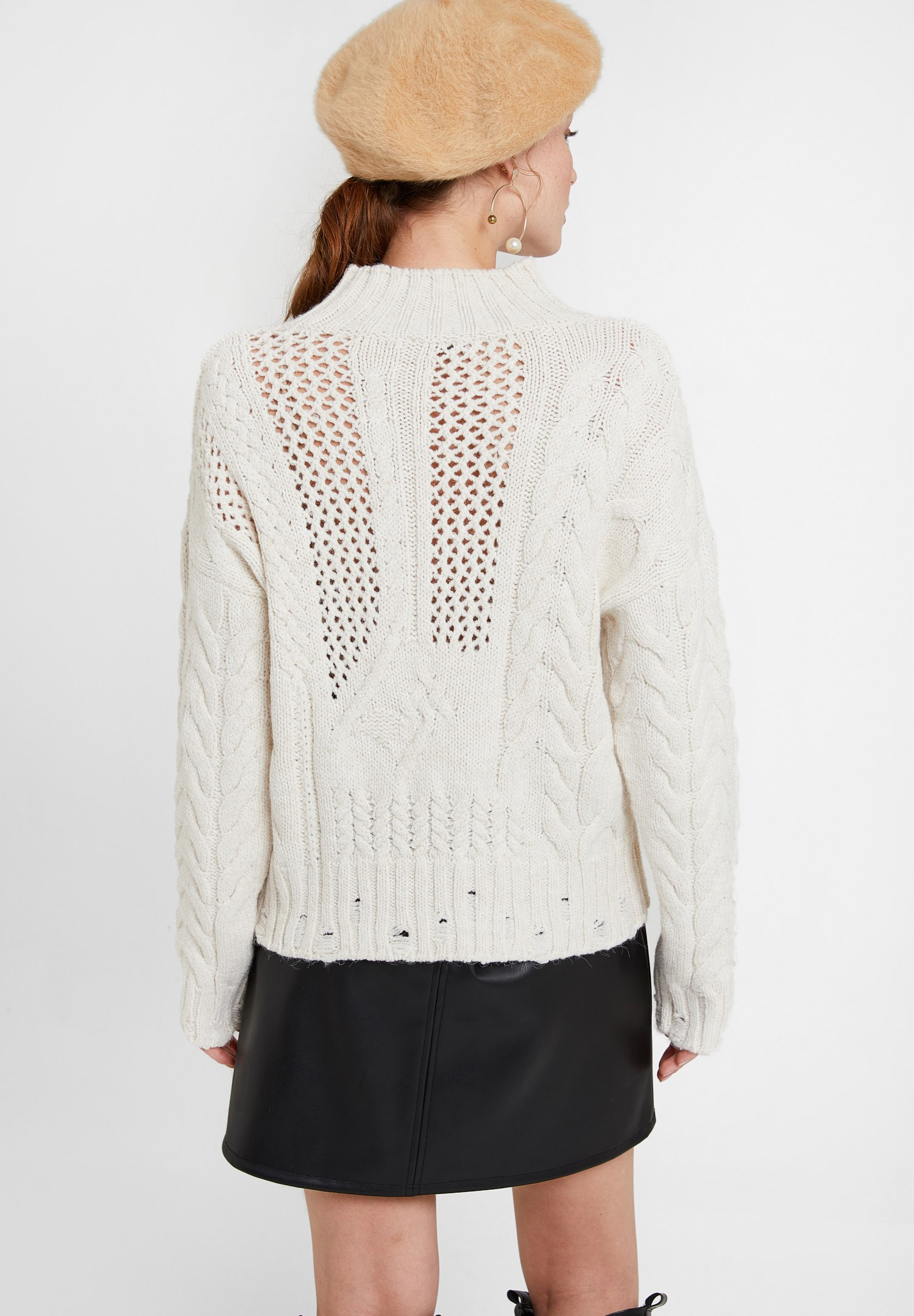 Women Cream Knitted Pullover with Neck