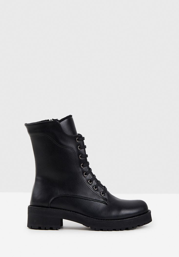 Boot with Detail