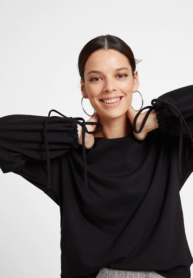 Siyah Kolları Bağlama Detaylı Sweatshirt