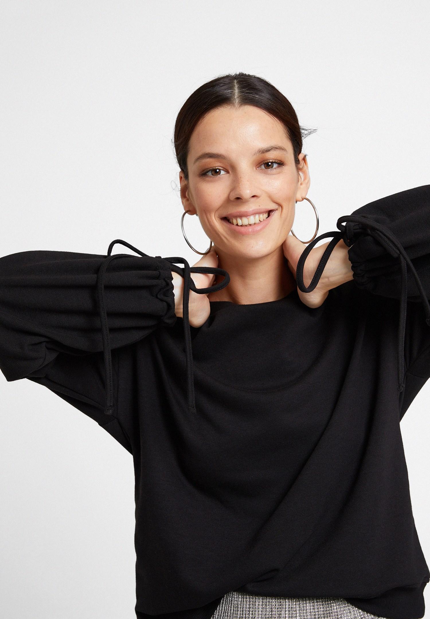 Bayan Siyah Kolları Bağlama Detaylı Sweatshirt