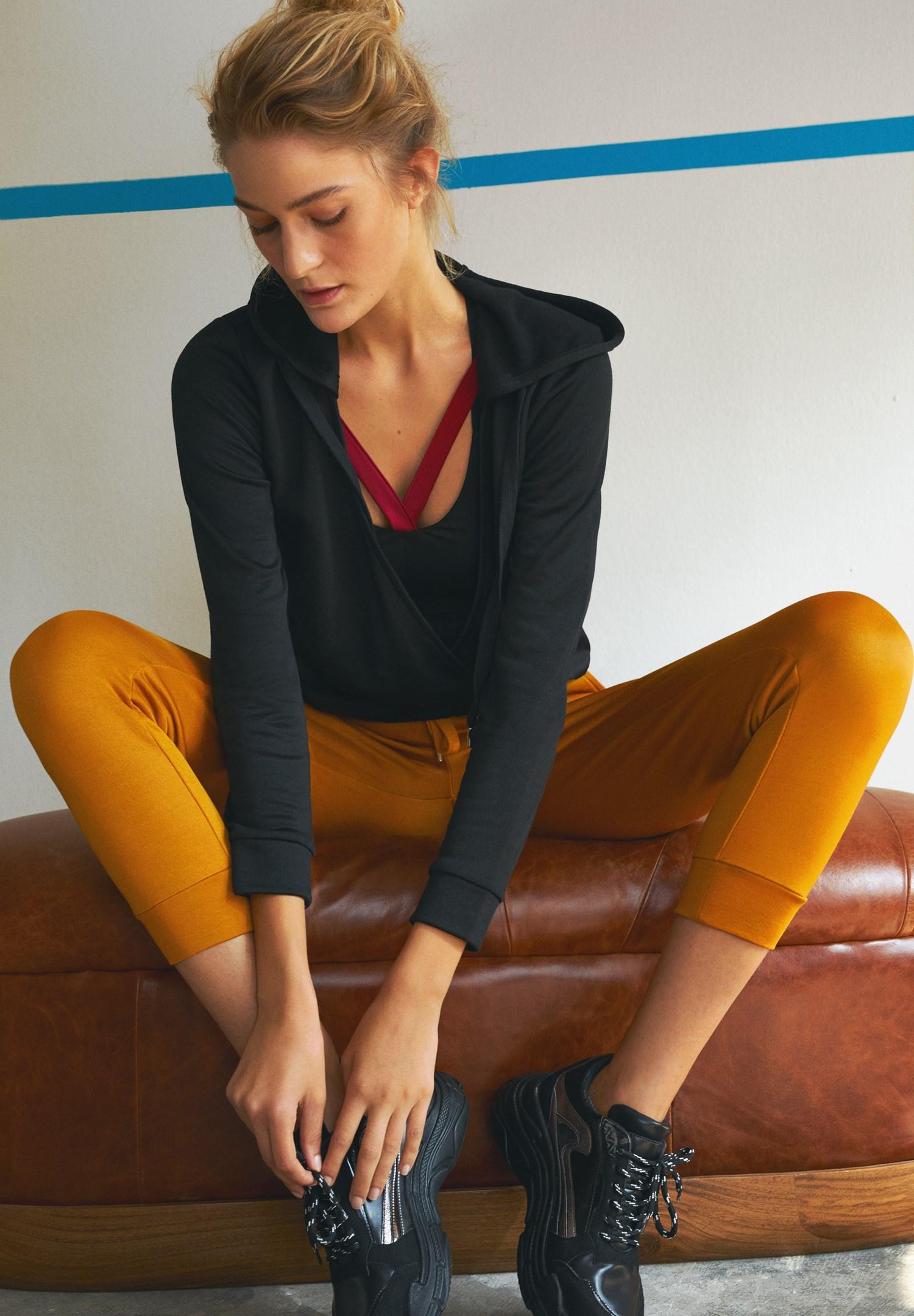 Bayan Siyah Kruvaze Detaylı Sweatshirt