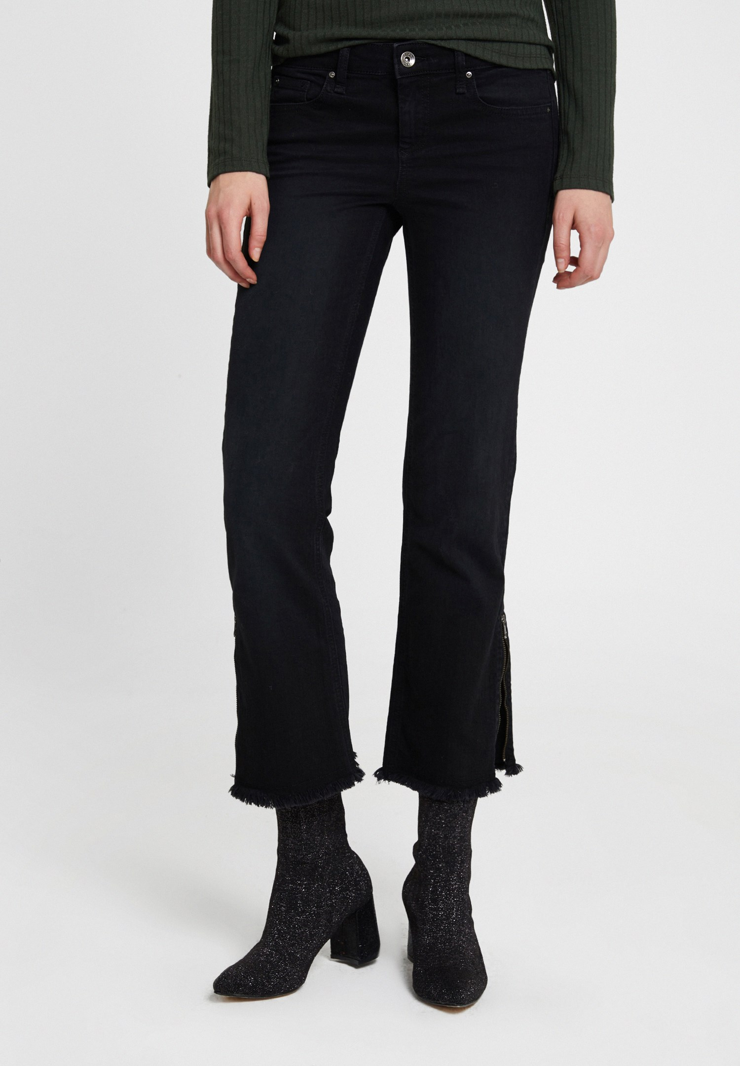 Women Black Low Rise Trousers with Detail