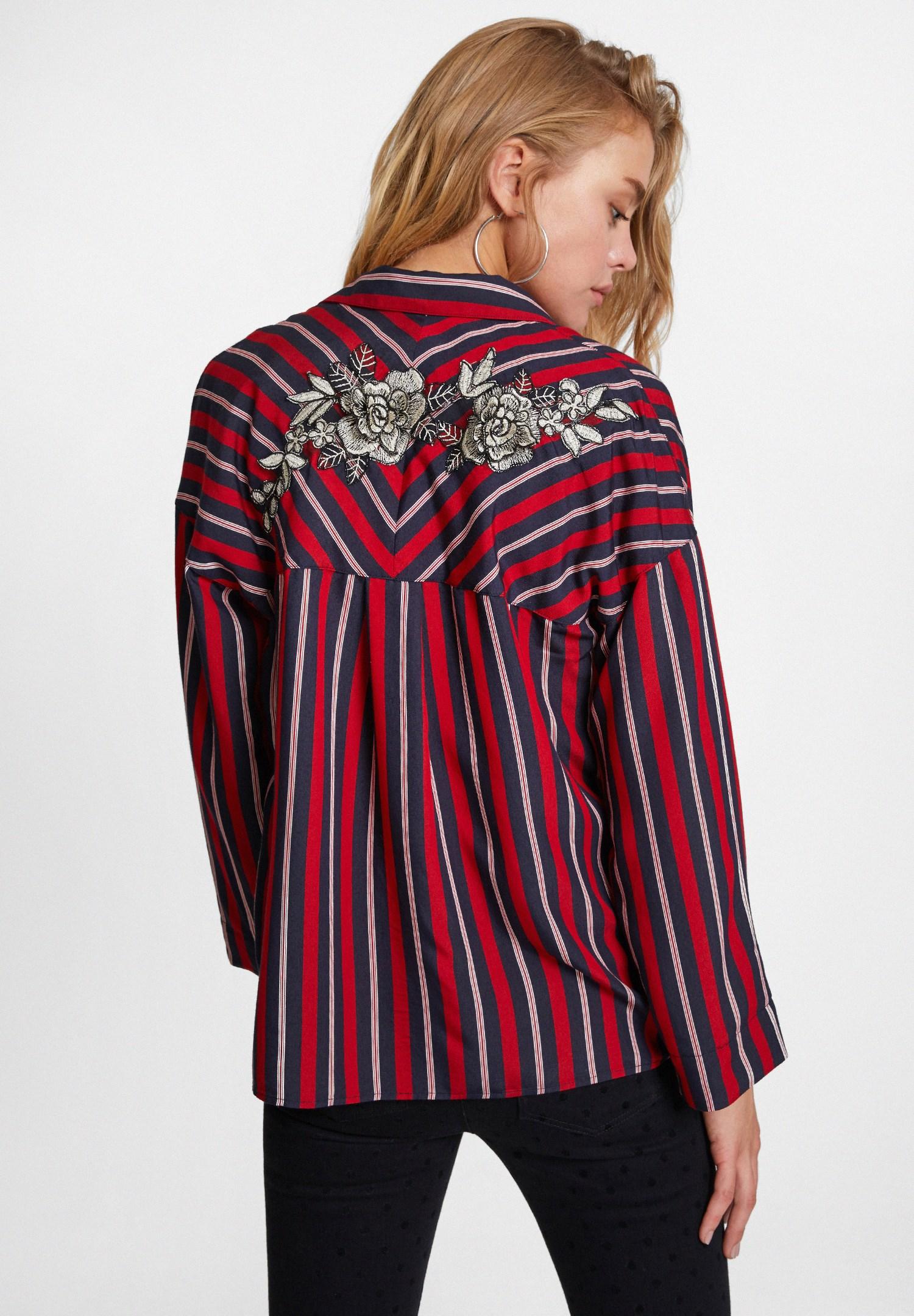 Bayan Çok Renkli Çizgili Sırt Detaylı Gömlek