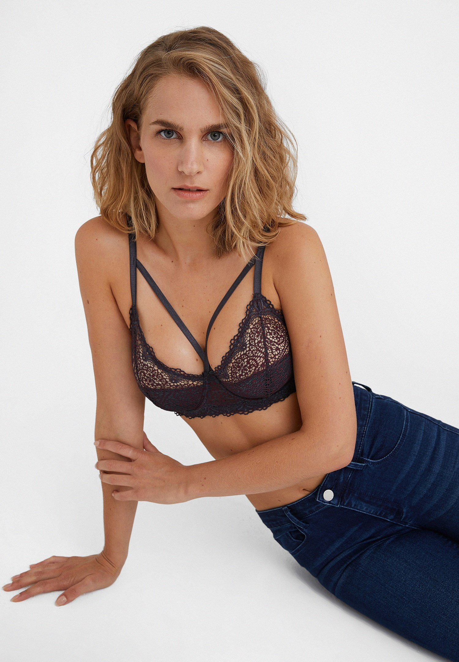 Women Mixed Bralette with Lace Detail