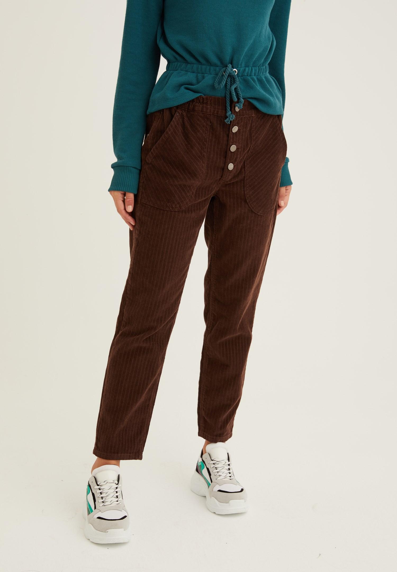 Bayan Kahverengi Düğme Detaylı Kadife Pantolon