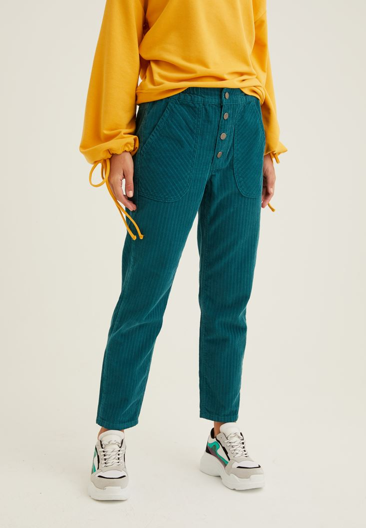 Yeşil Düğme Detaylı Kadife Pantolon