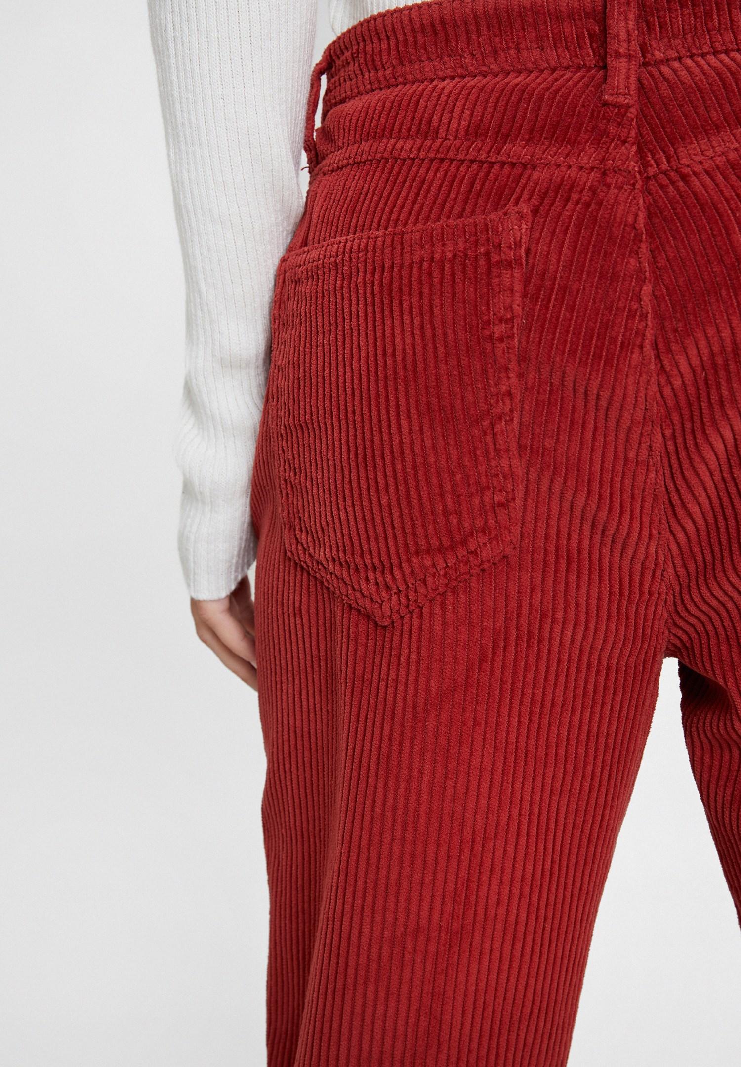 Bayan Kırmızı Cepli Kadife Pantolon