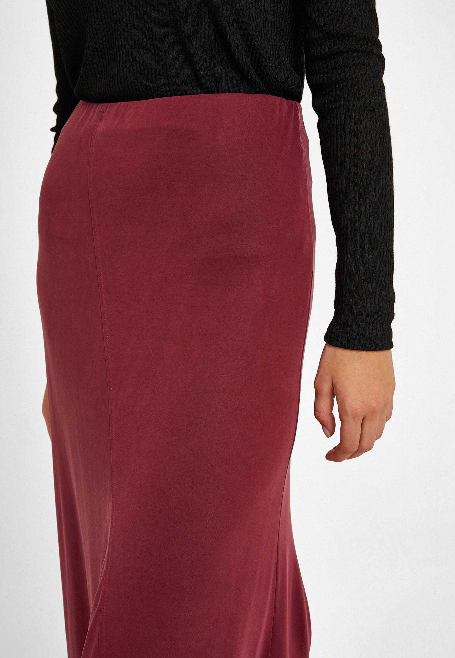 Women Bordeaux Asymmetric Skirt with Detail