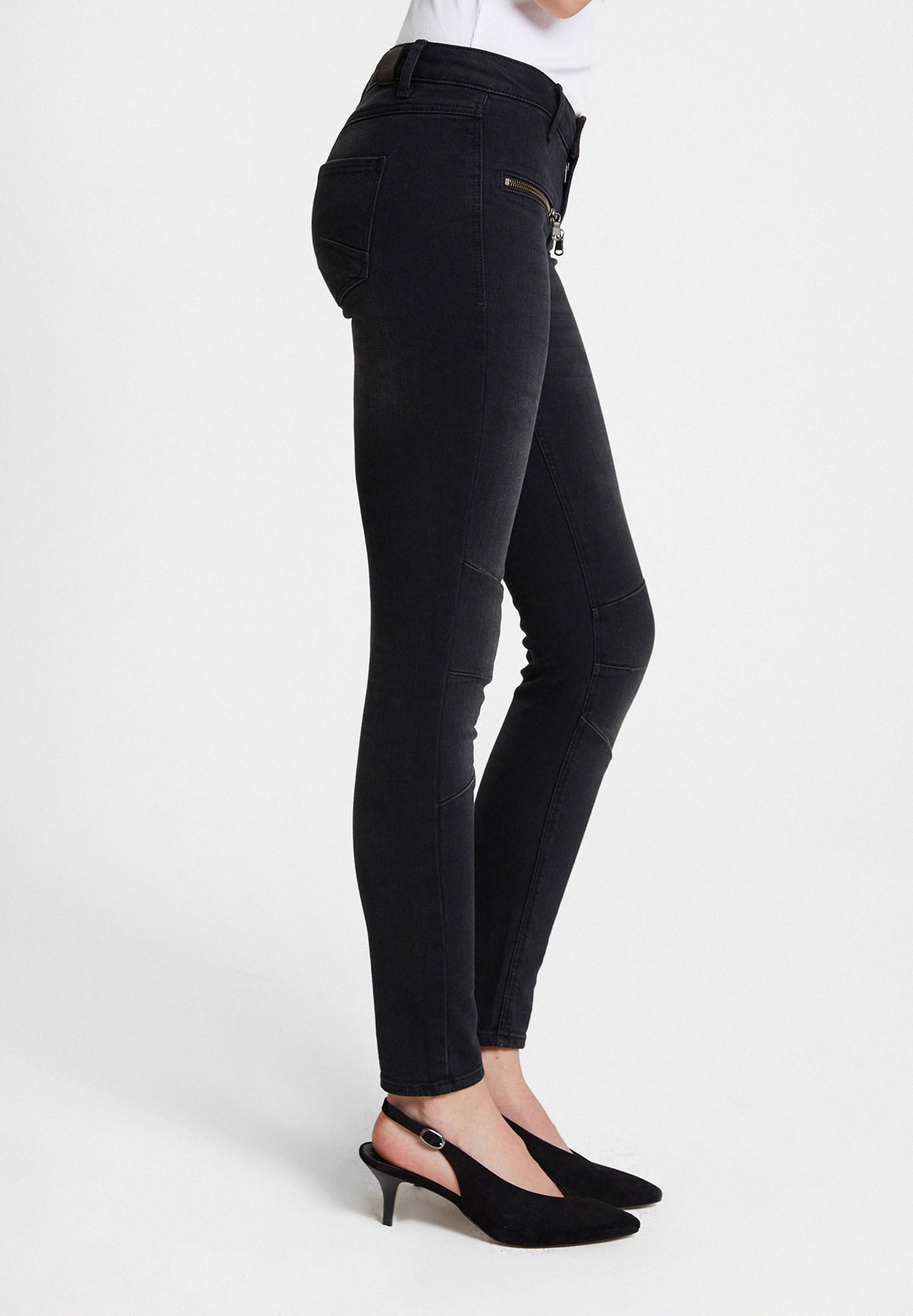Bayan Siyah Fermuar Detaylı Düşük Bel Pantolon