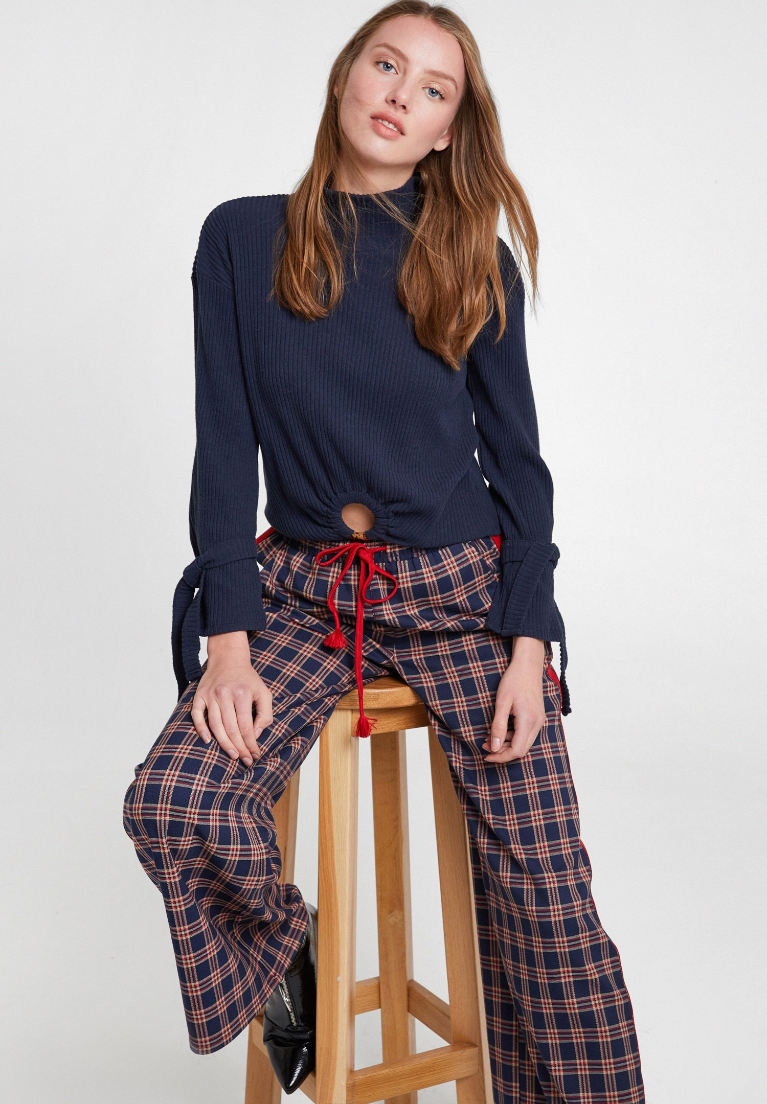Women Mixed Check Pants with Line Details