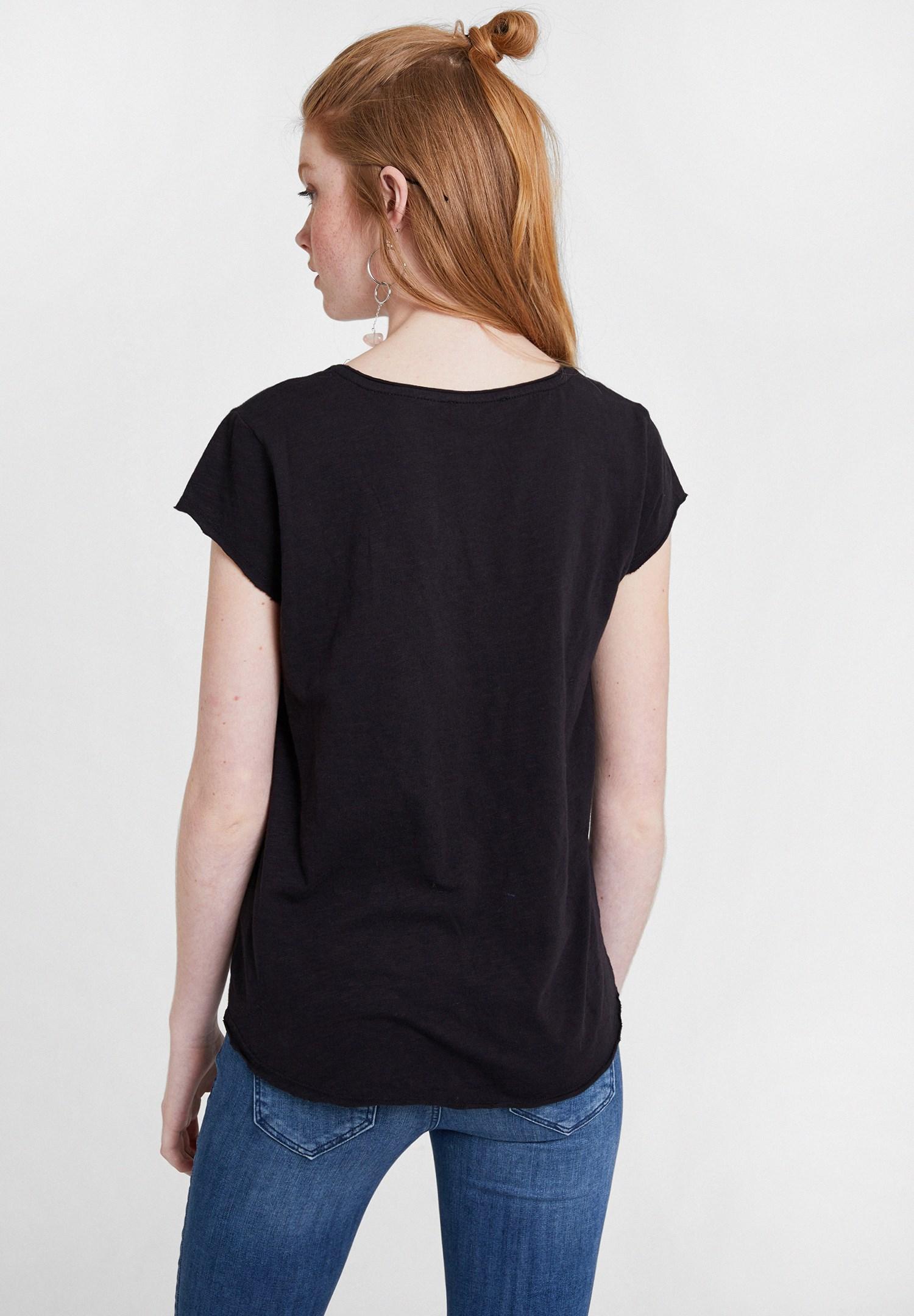 Bayan Siyah Basic V Yaka Kısa Kollu Tişört