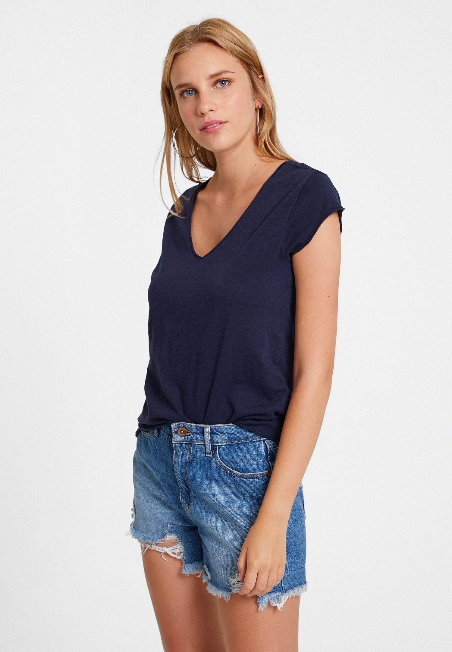 Bayan Lacivert Basic V Yaka Kısa Kollu Tişört