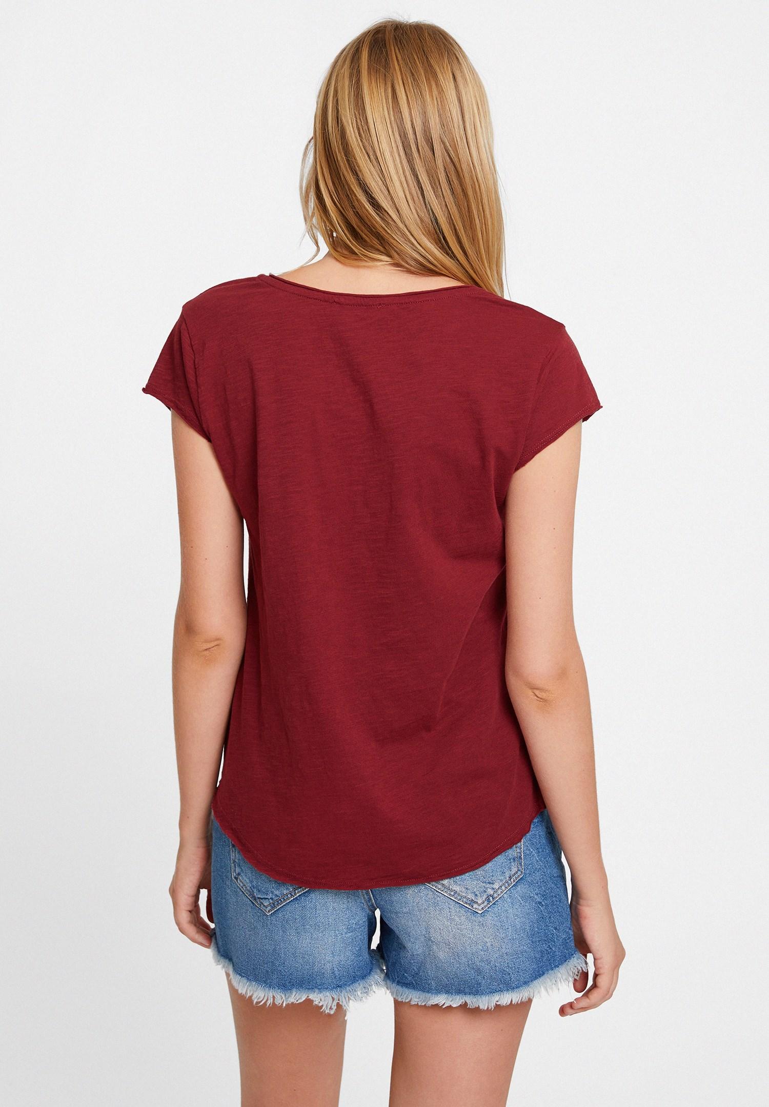 Bayan Bordo Basic V Yaka Kısa Kollu Tişört