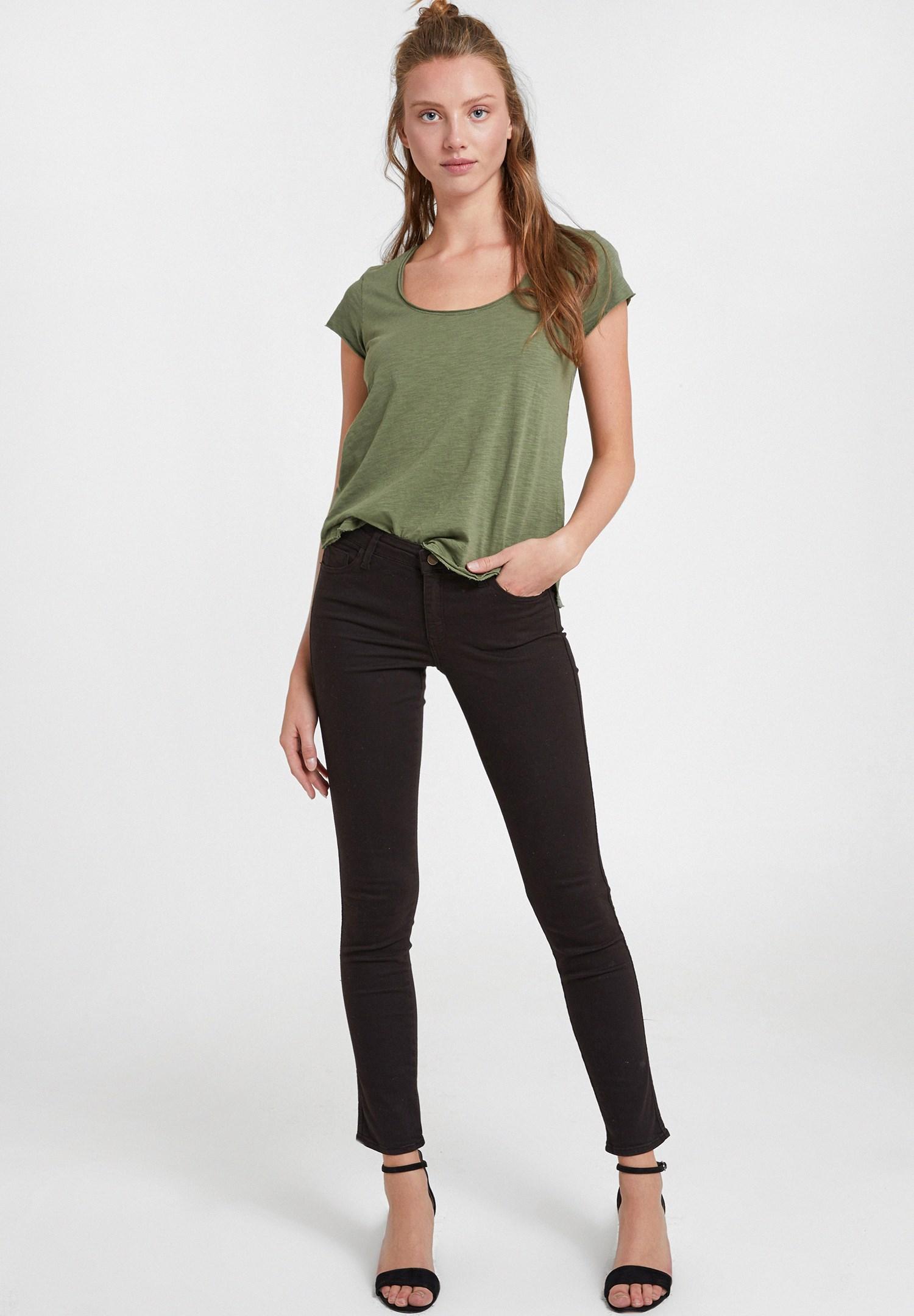 Bayan Yeşil U Yaka Detaylı Basic Tişört