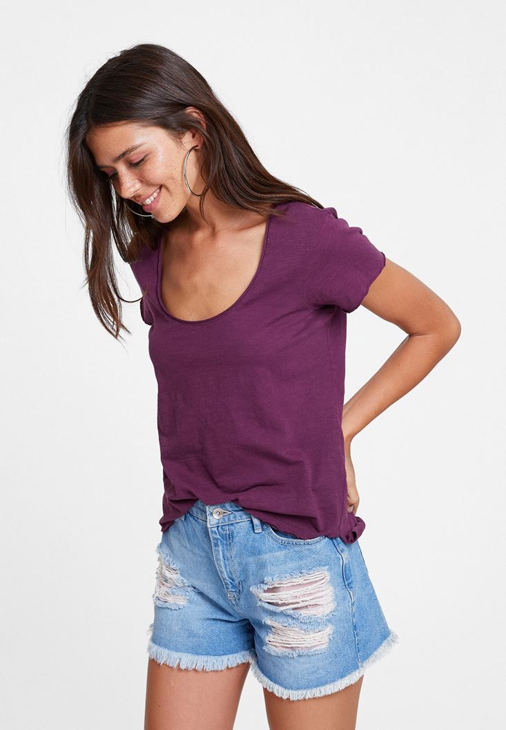 Purple Basic T-shirt with U Neck Details