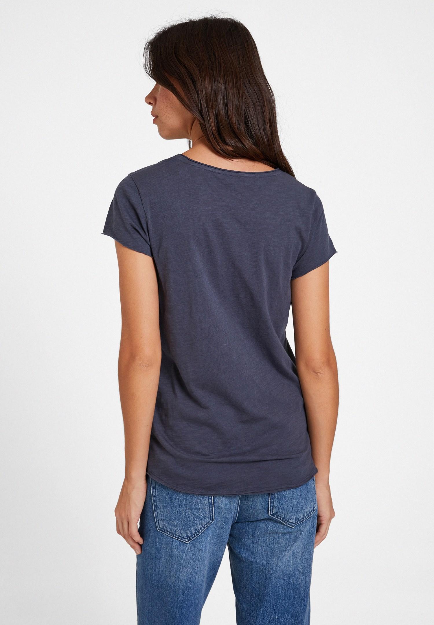 Bayan Gri U Yaka Detaylı Basic Tişört