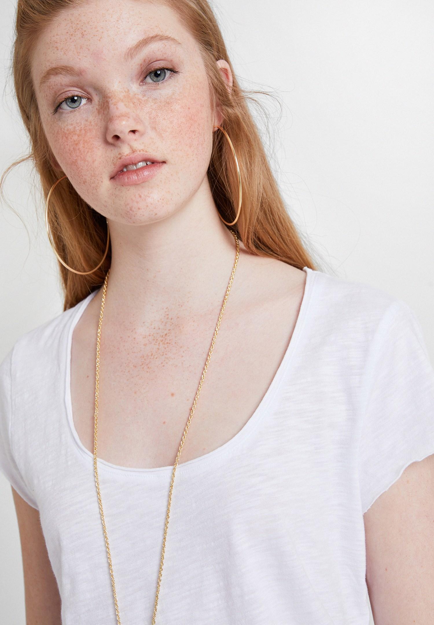 Bayan Beyaz U Yaka Detaylı Basic Tişört