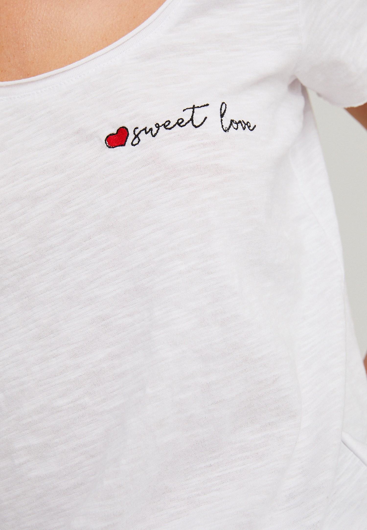 Bayan Beyaz U Yaka Nakış Detaylı Tişört