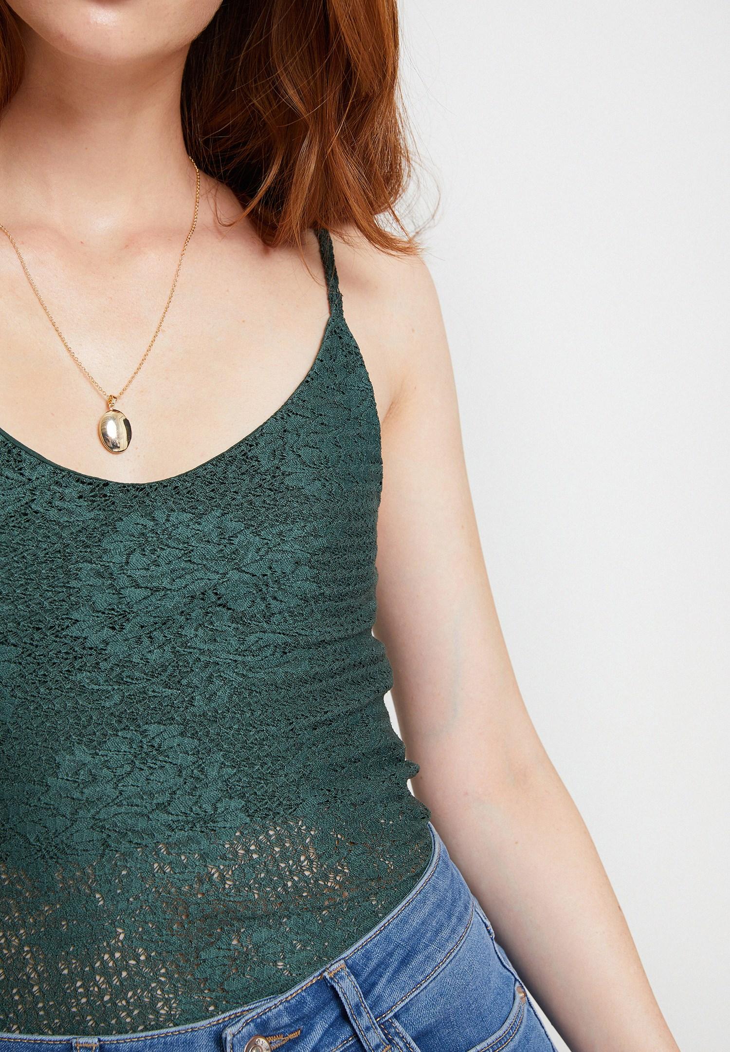 Bayan Yeşil Askılı Dantel Bluz