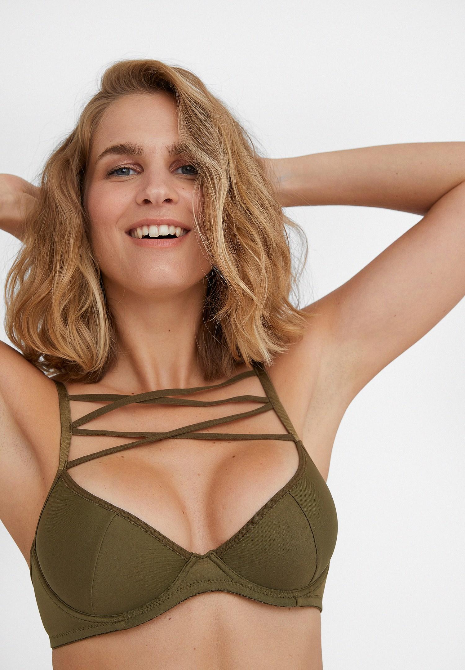 Bayan Yeşil Çapraz Bant Detaylı İnce Askılı Büstiyer