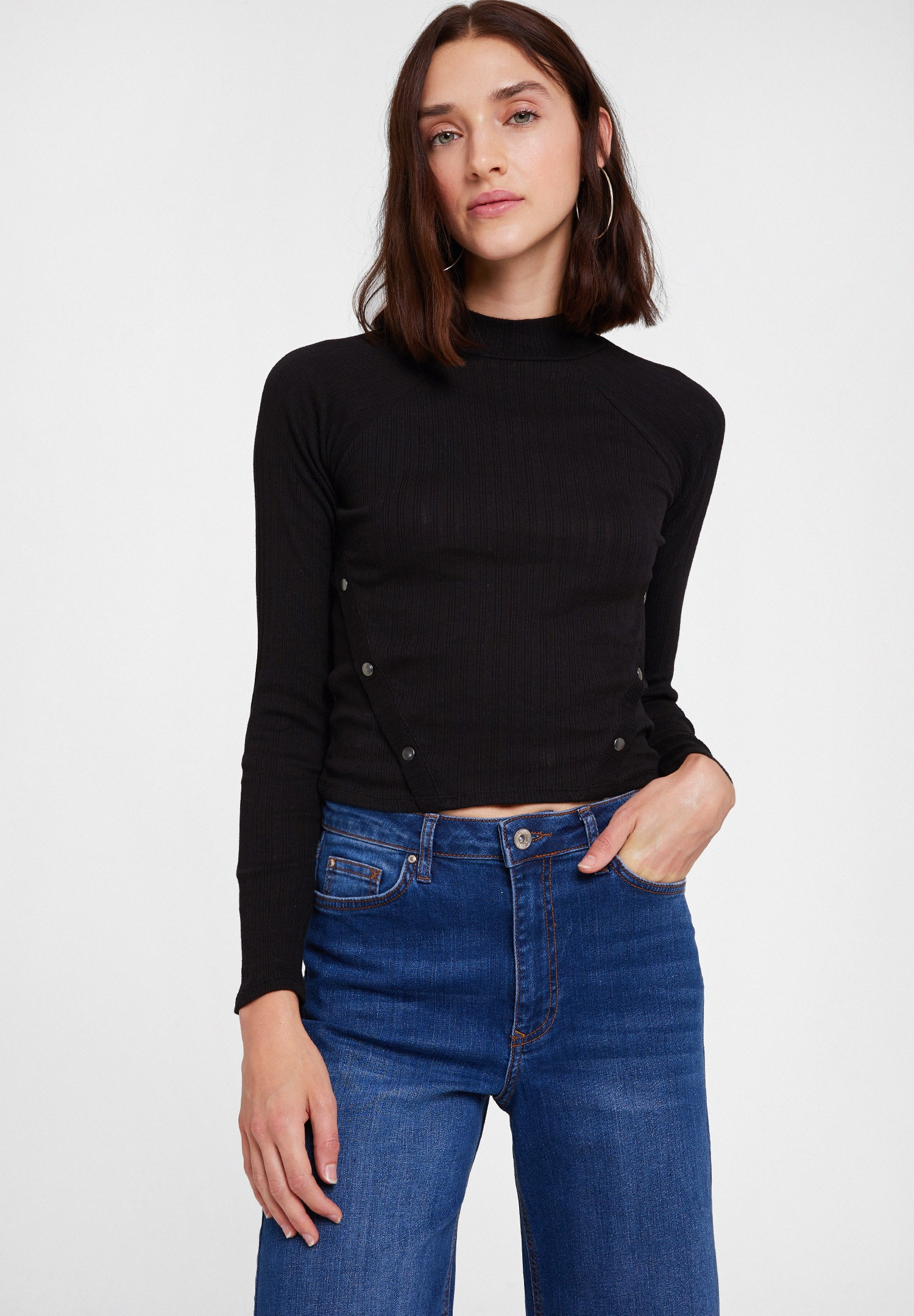Women Black Long Sleeve Blouse with Neck Details