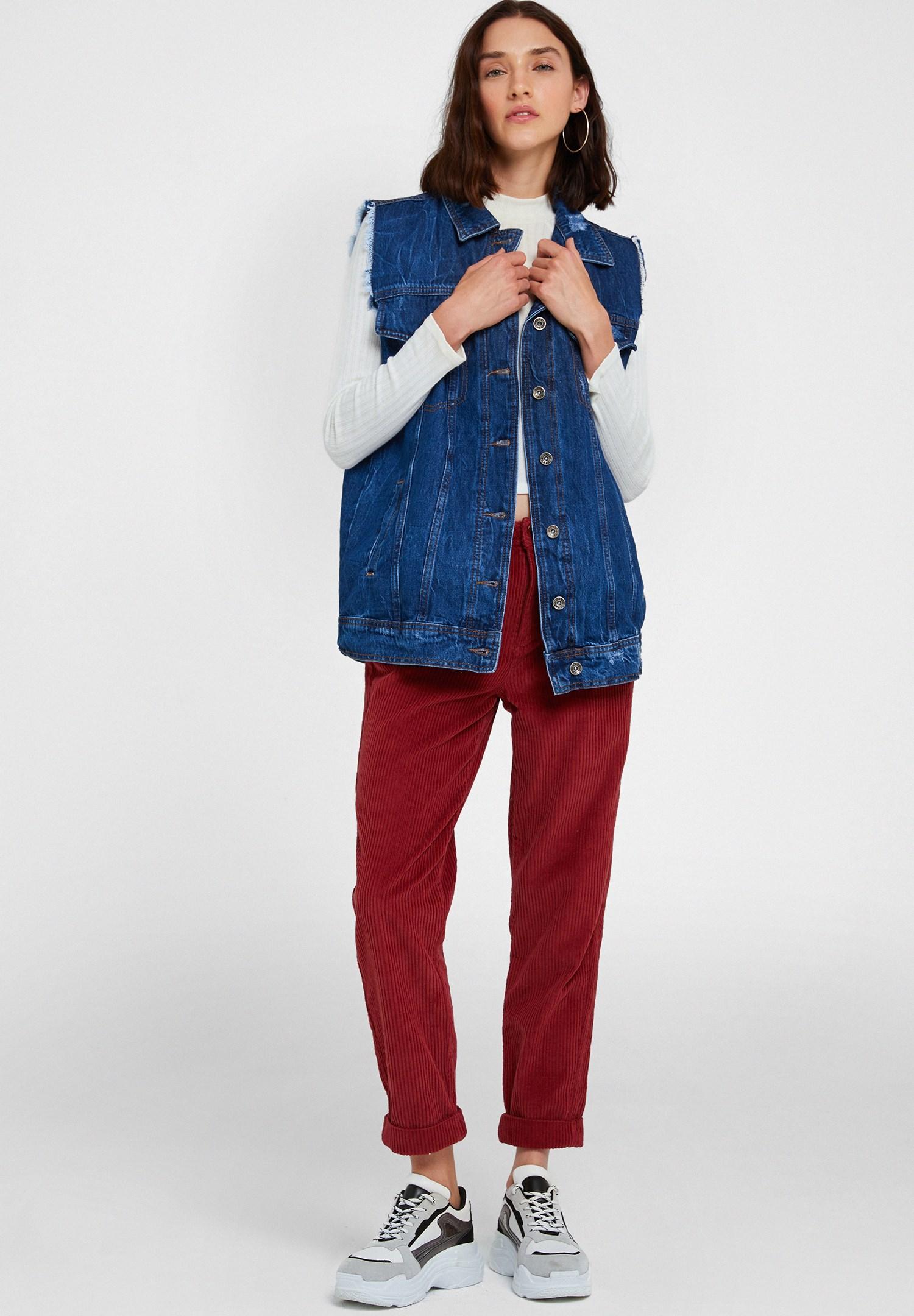 Bayan Krem Yaka Detaylı Uzun Kollu Bluz