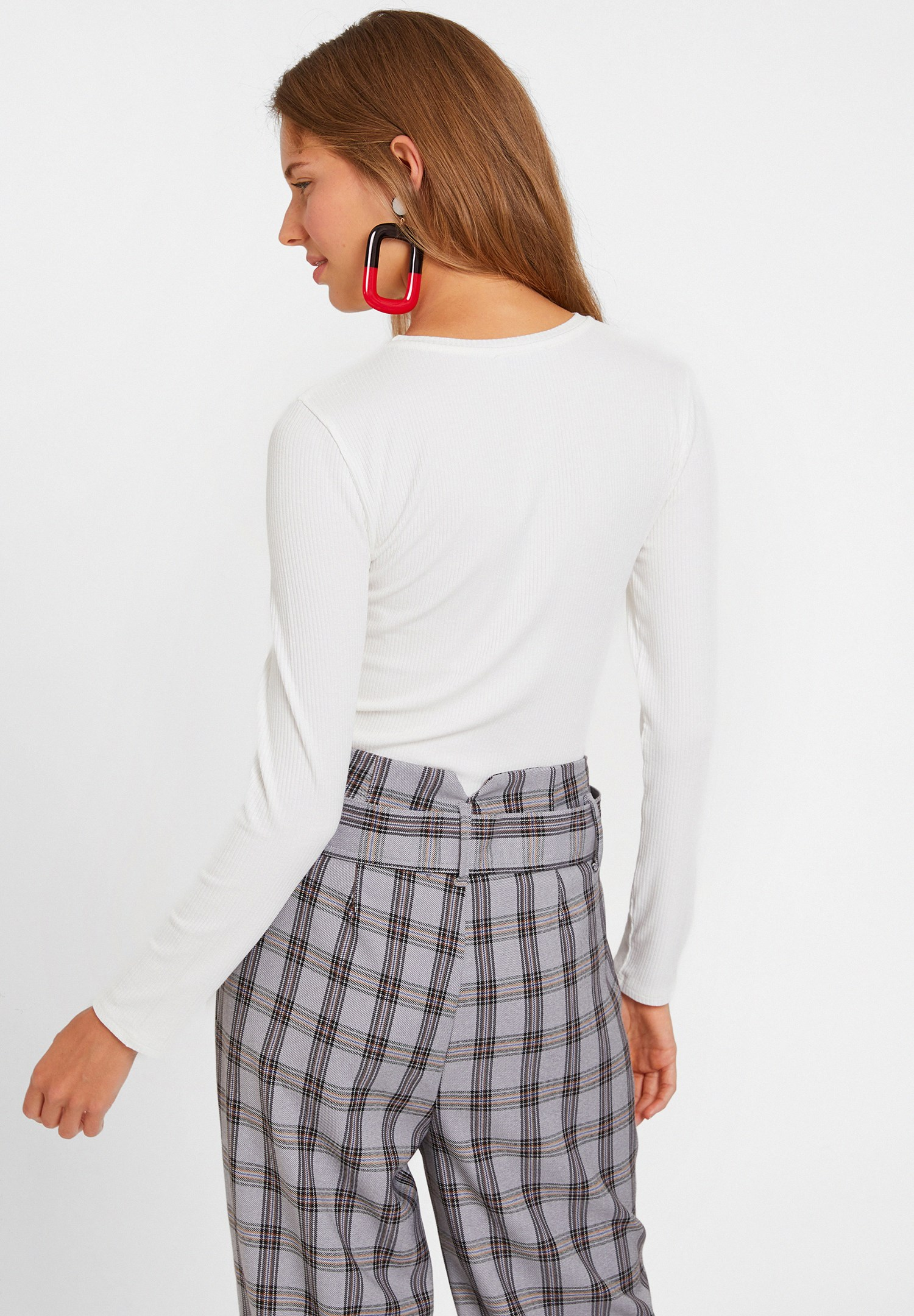 Bayan Krem Cut Out Detaylı Uzun Kollu Bluz