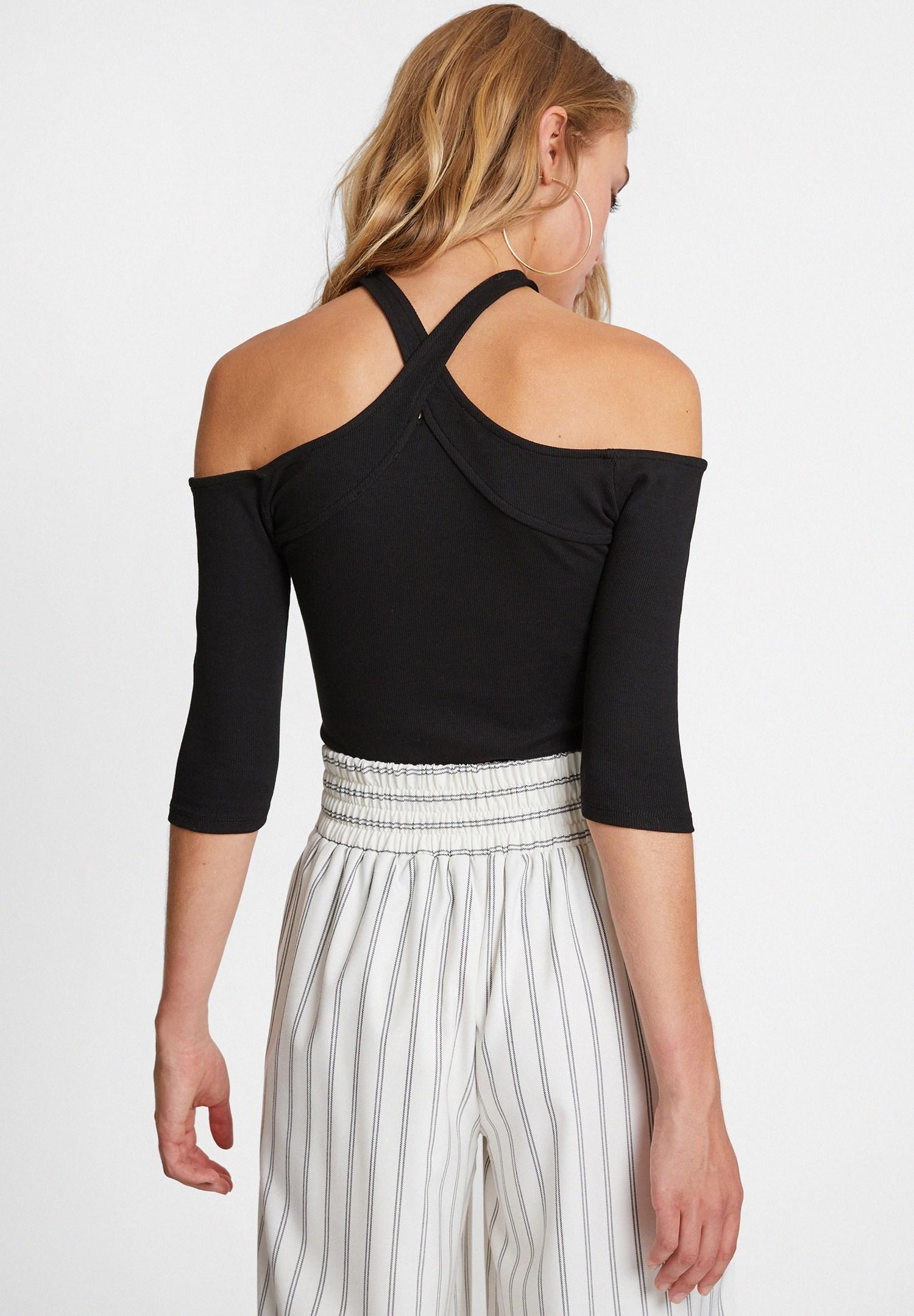 Bayan Siyah Yakası Çapraz Biye Detaylı Bluz