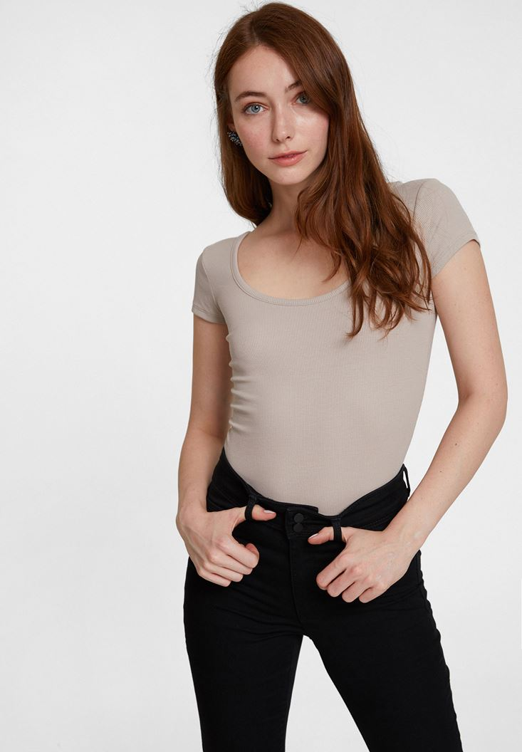 Cream Basic U Neck T-shirt