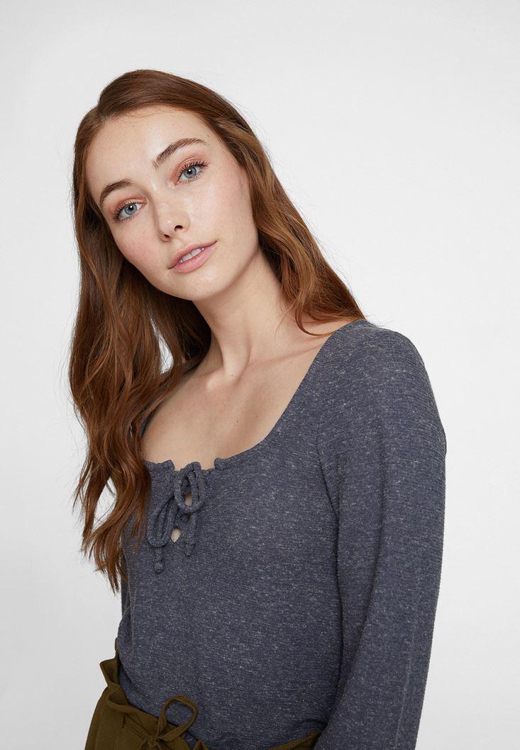 Gri Yakası Bağlamalı Uzun Kol Detaylı Bluz