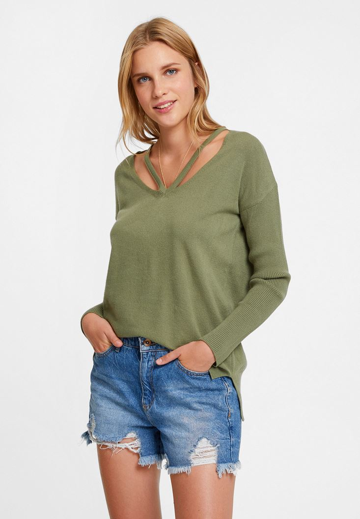 Green Knitwear with Neck Details