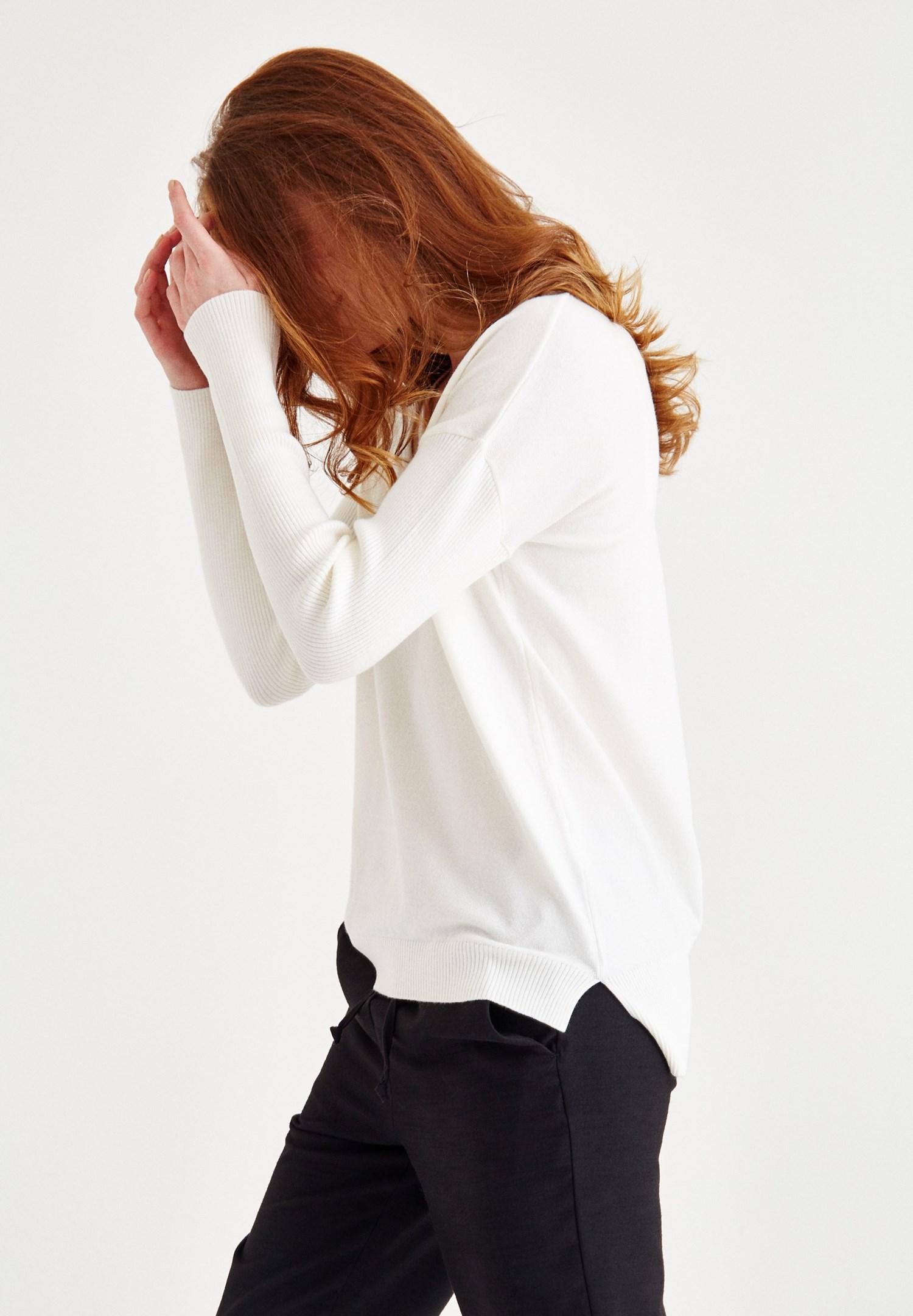 Women Cream Knitwear with Neck Details