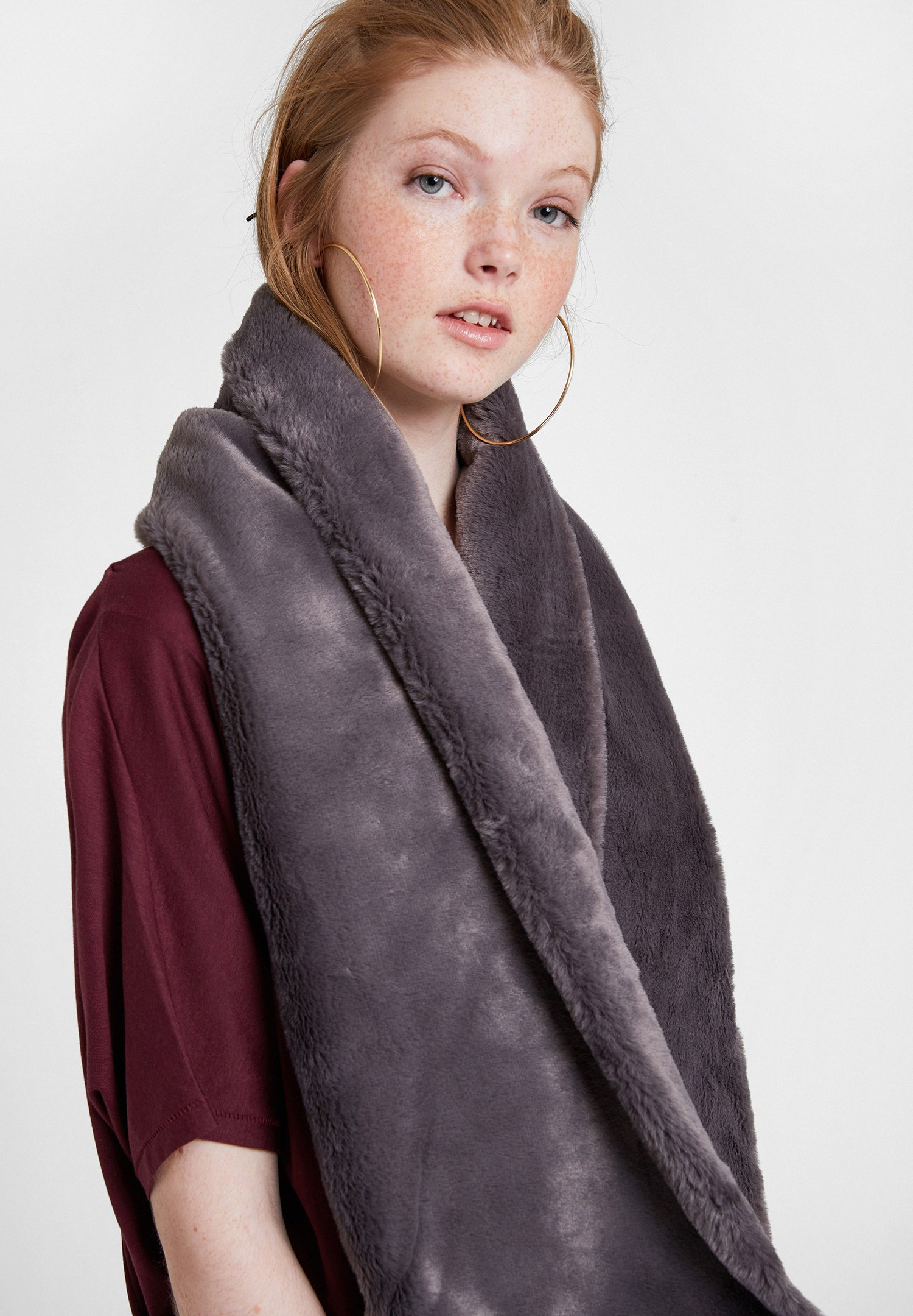 Women Grey Soft Touch Faux Fur Shawl