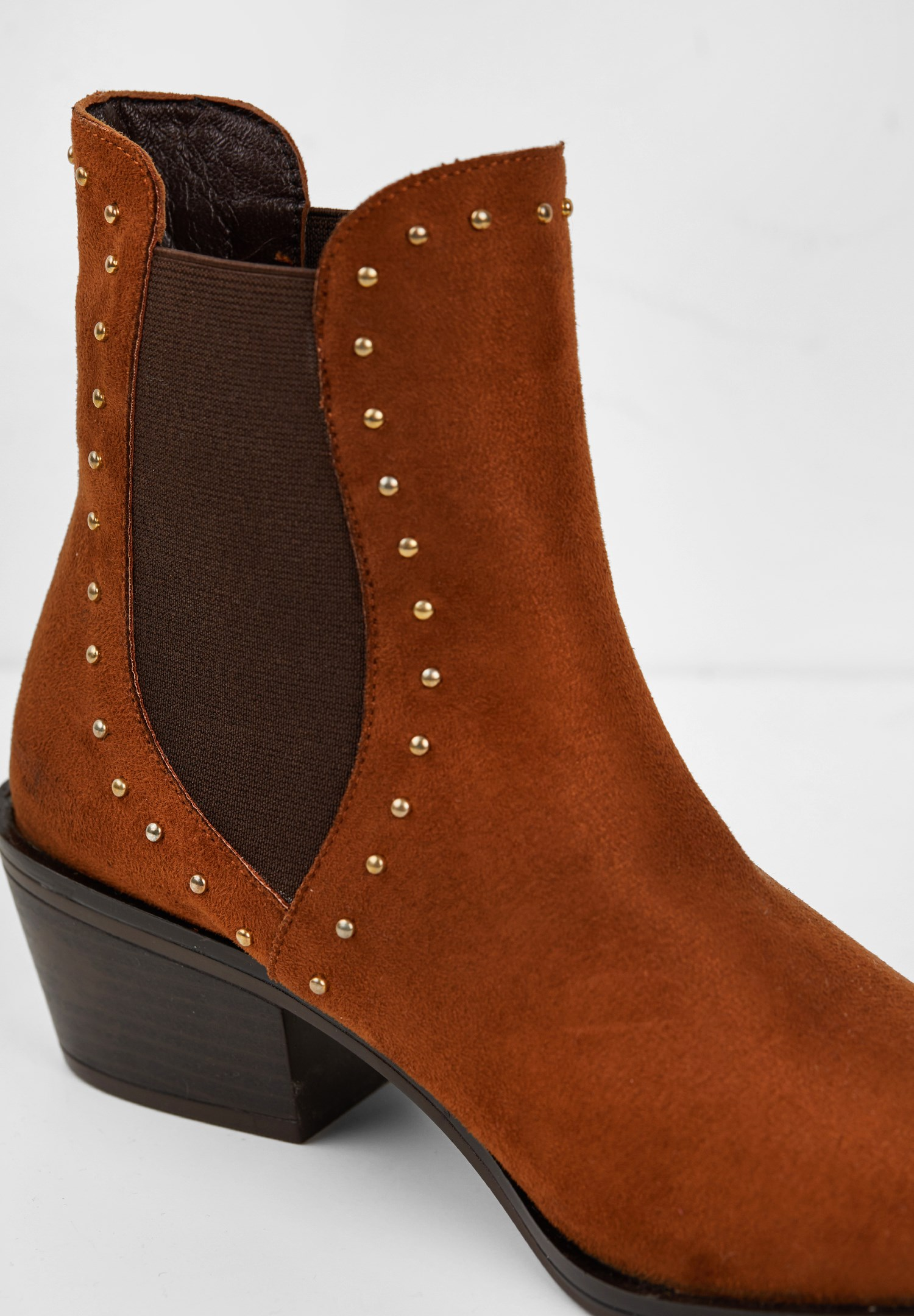 Women Brown Boot with Details