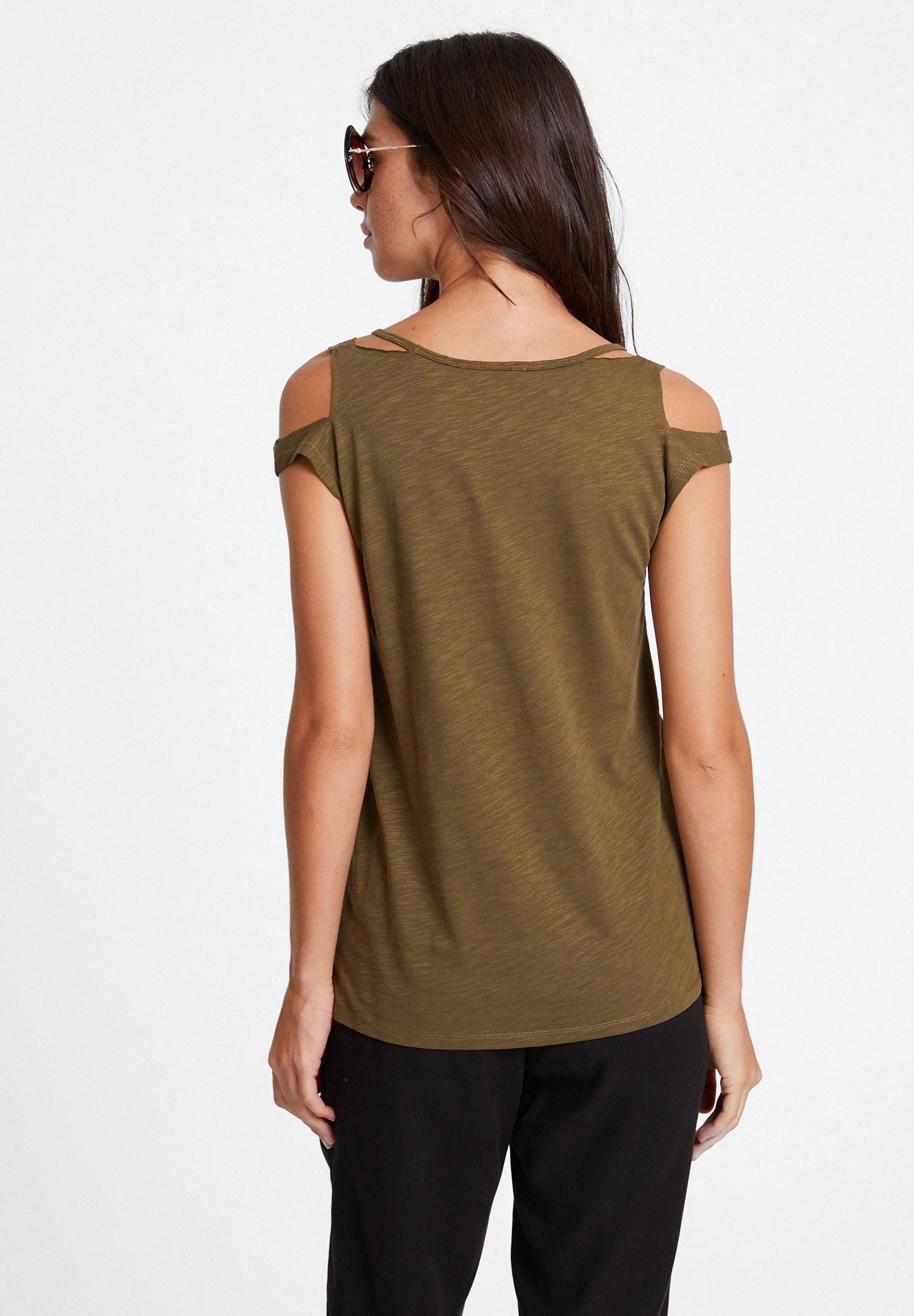 Bayan Yeşil Biyeli Omuz Detaylı Tişört