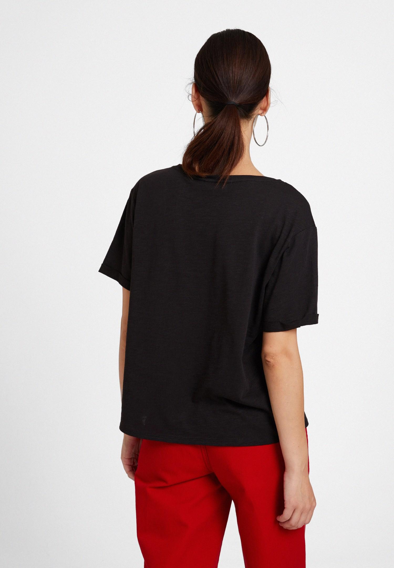 Bayan Siyah U Yaka Basic Modal Karışımlı Tişört
