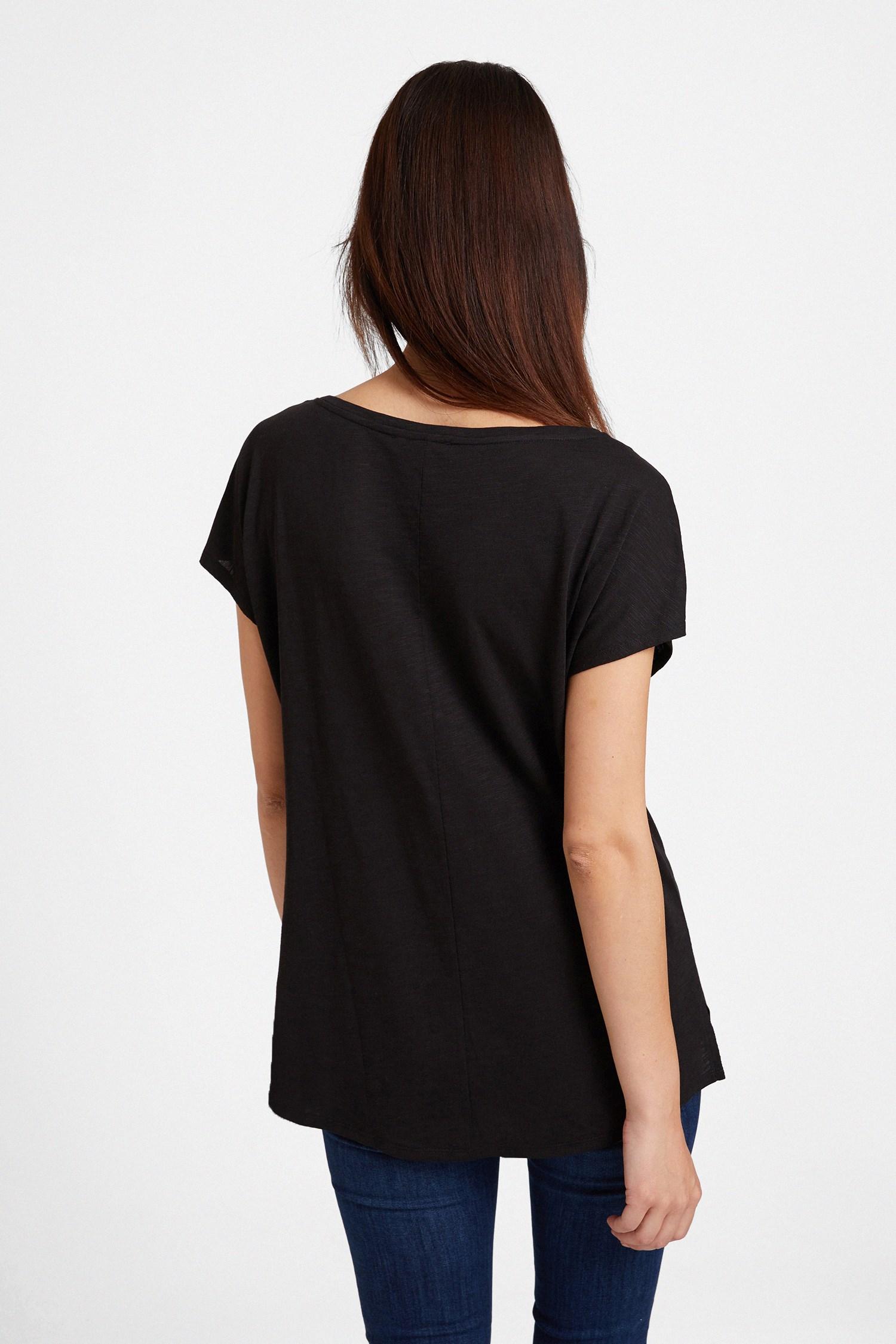 Bayan Siyah Bot Yaka Modal Karışımlı Tişört