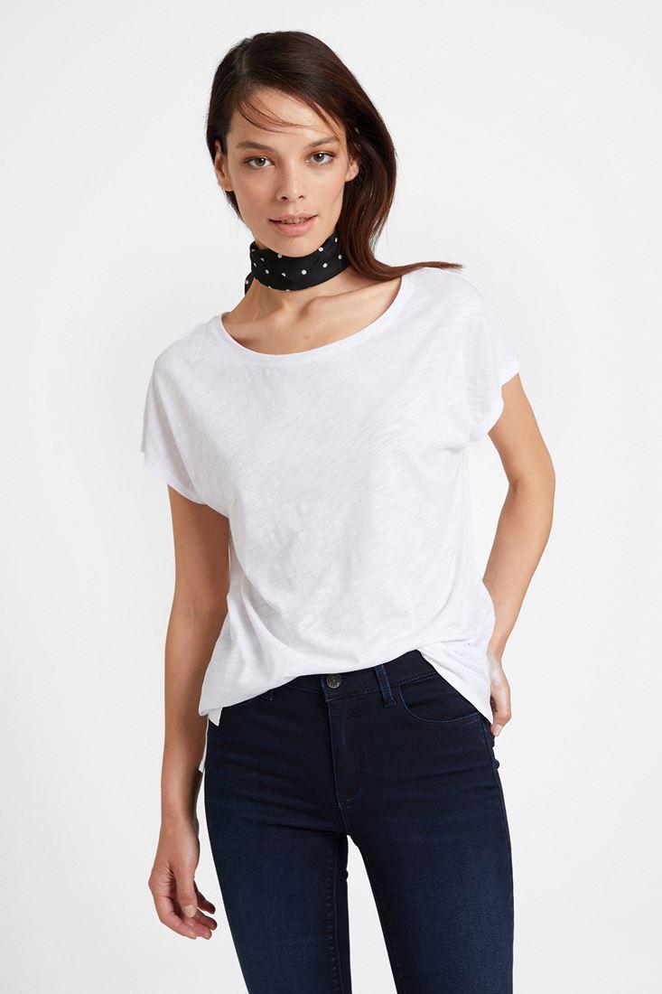 Beyaz Bot Yaka Modal Karışımlı Tişört